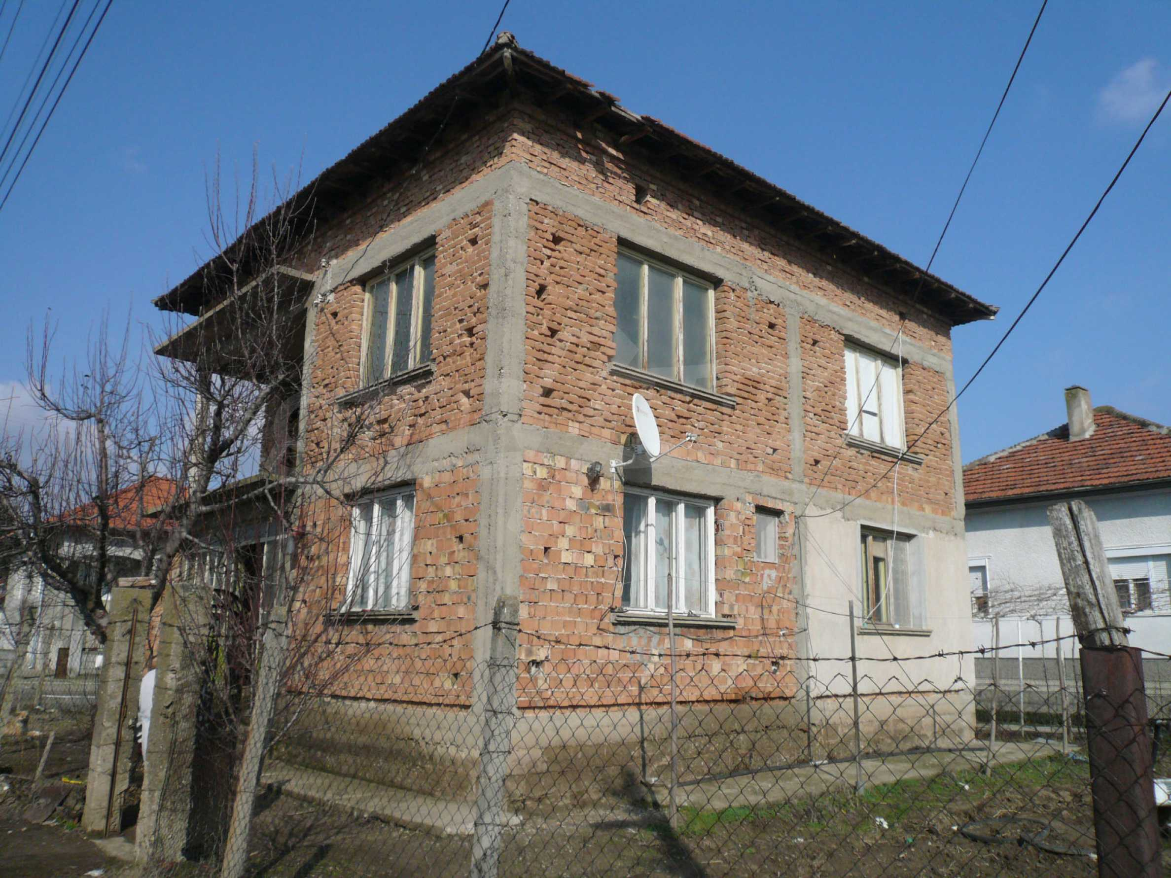 Spacious 2-storey house with garden 10 km from Vidin