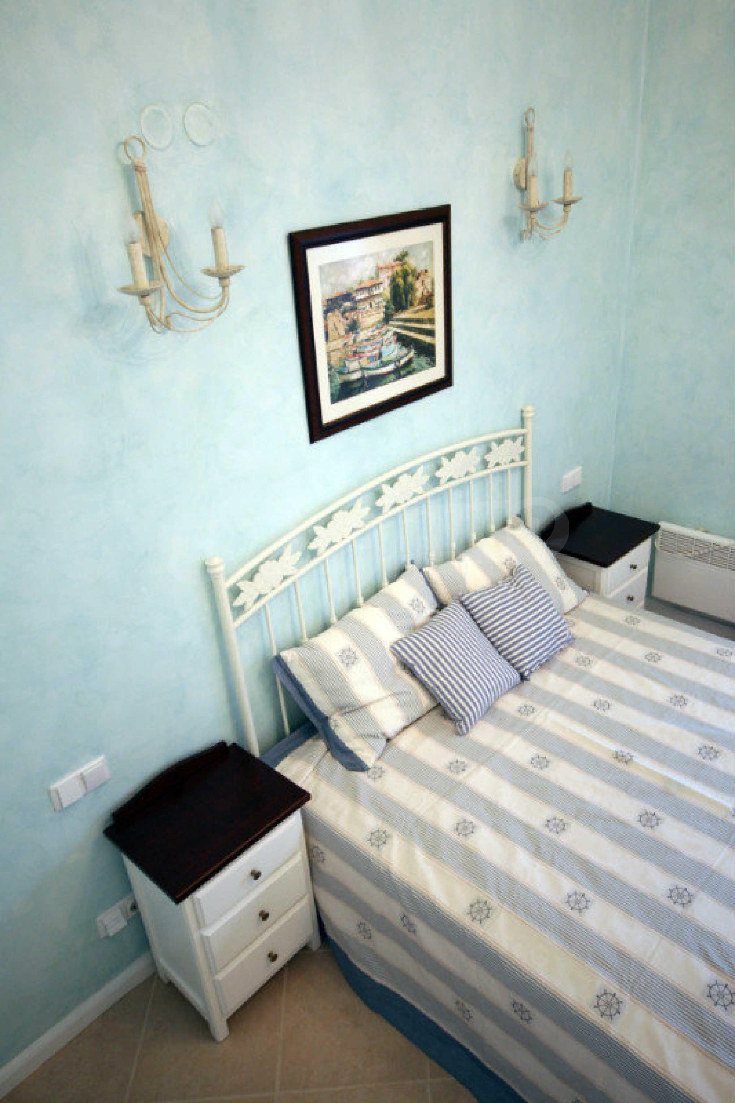 Apartment mit zwei Schlafzimmern und stilvollen Möbeln in einem Komplex in erster Linie 9