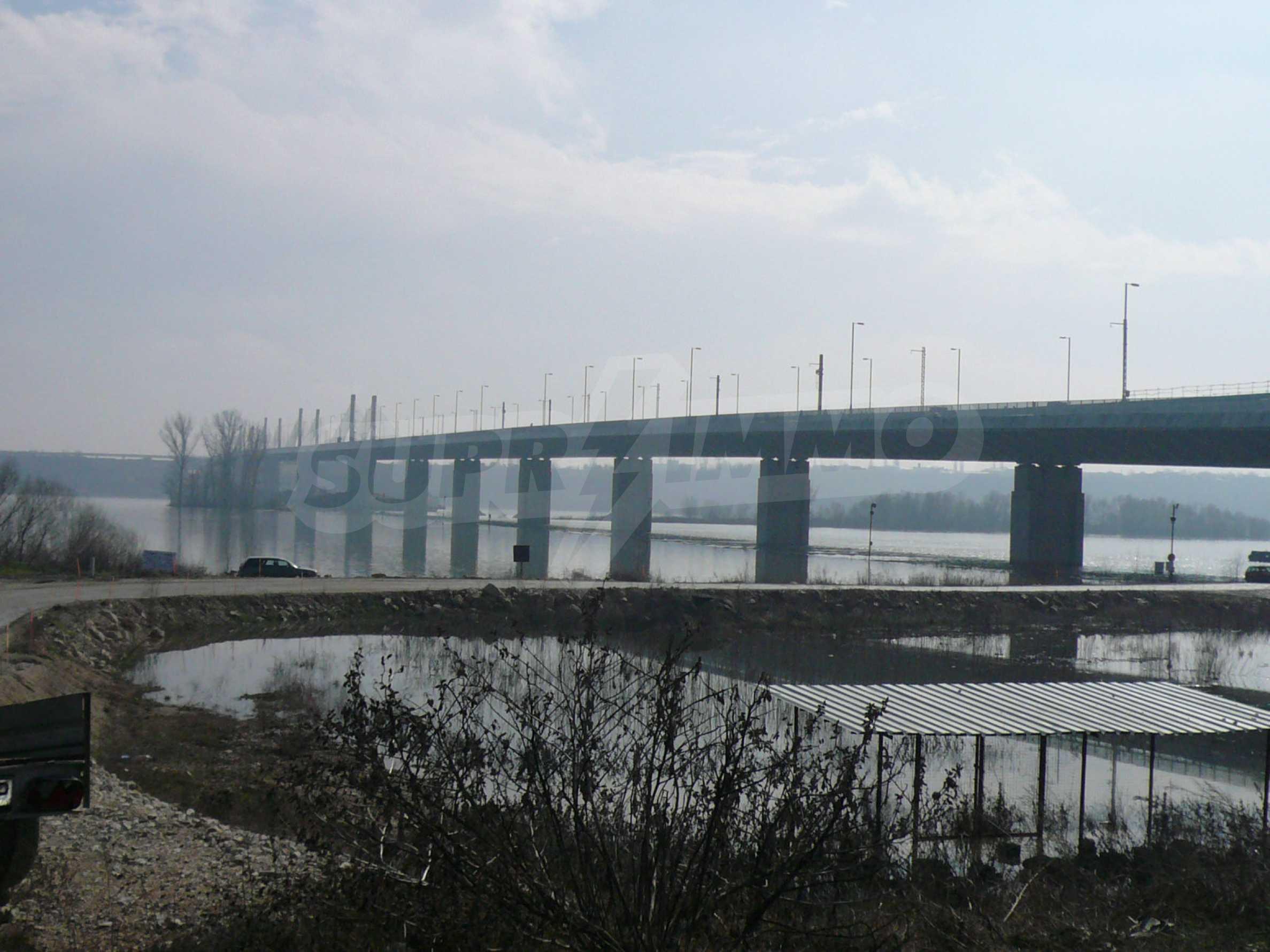 Spacious plot of investment land near the Danube Bridge 2 1