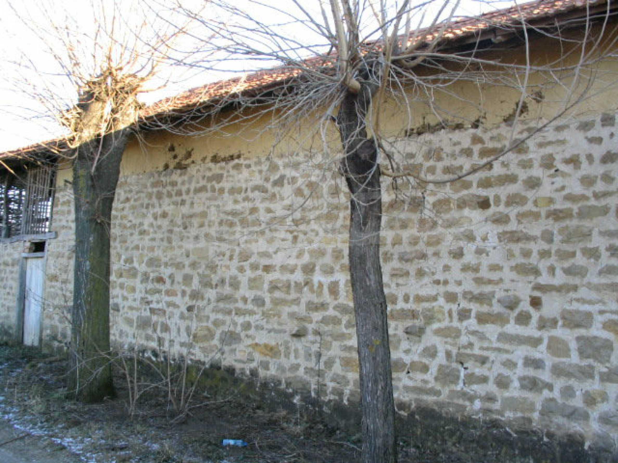 Zweistöckiges, solides Haus in einem Dorf 20 km. von Veliko Tarnovo 4