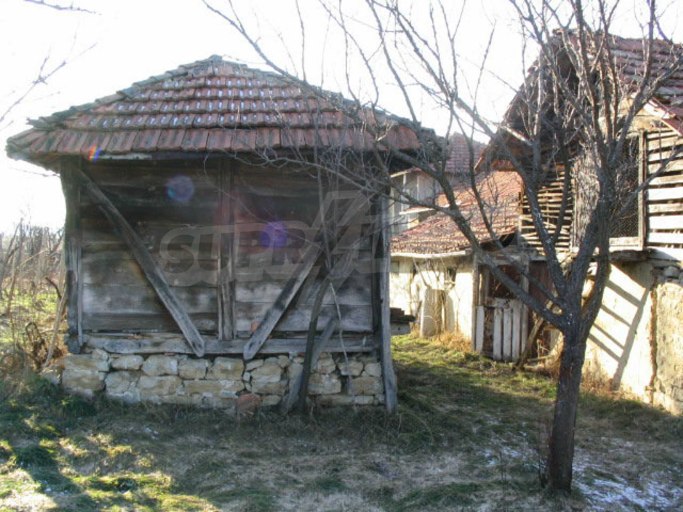 Solid built house in a village 20 km. from Veliko Tarnovo 8
