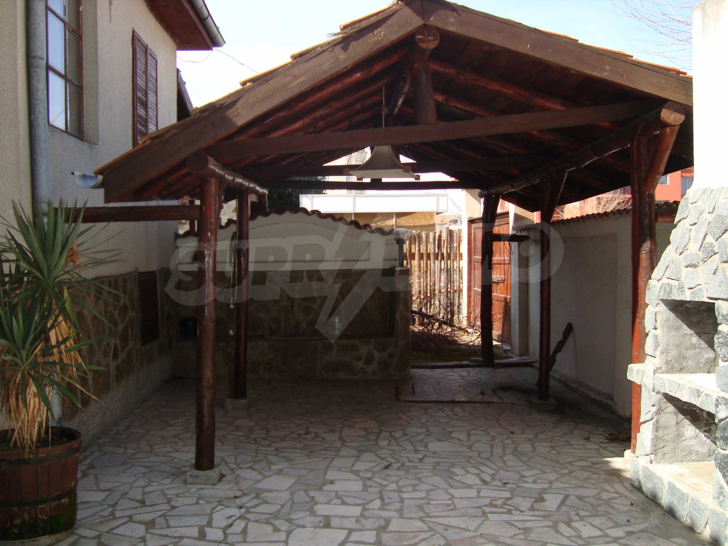 Two-storey house for sale in Lozenets 5