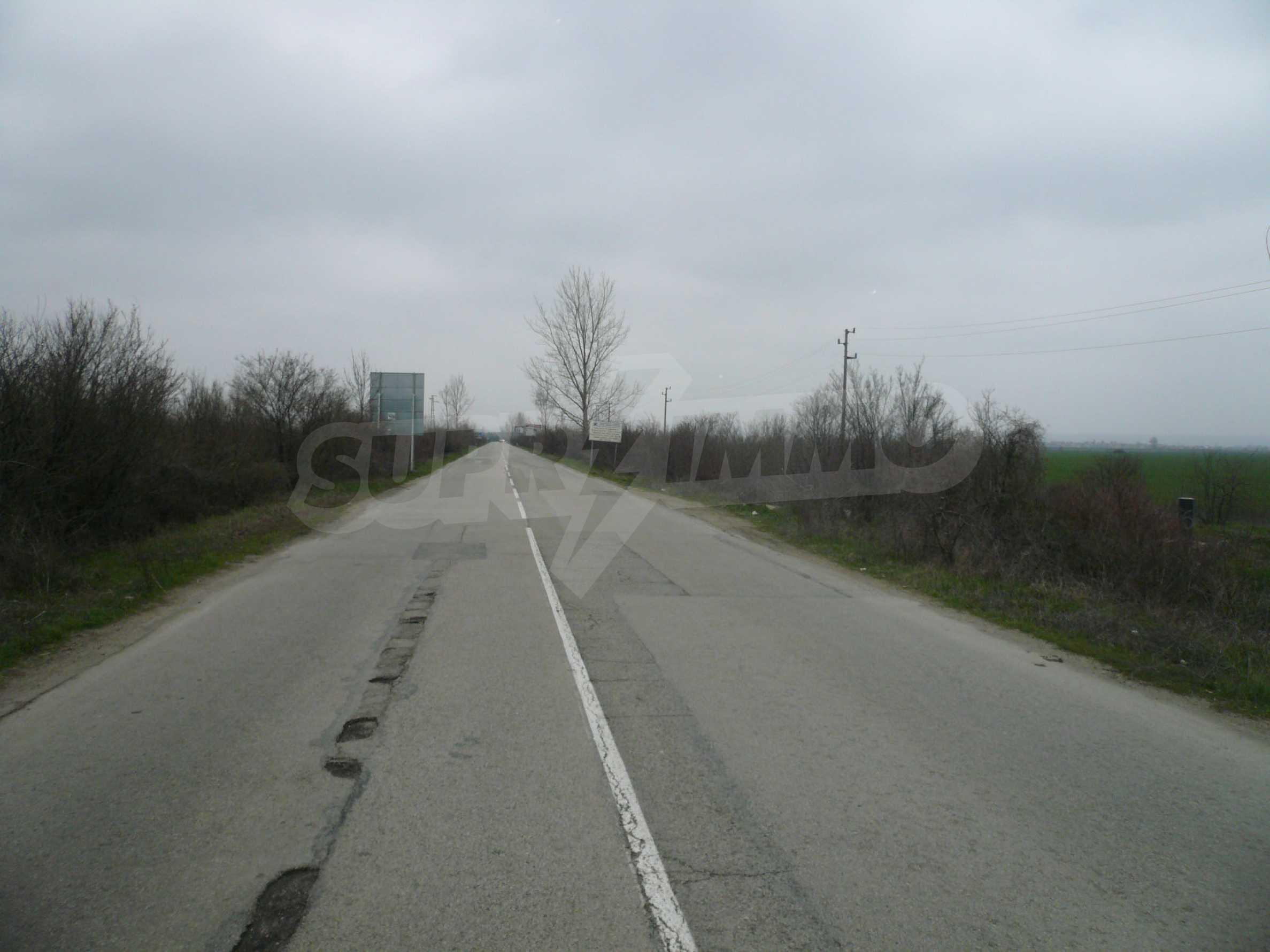 Plot of land at the asphalt road Vidin-Bregovo 1