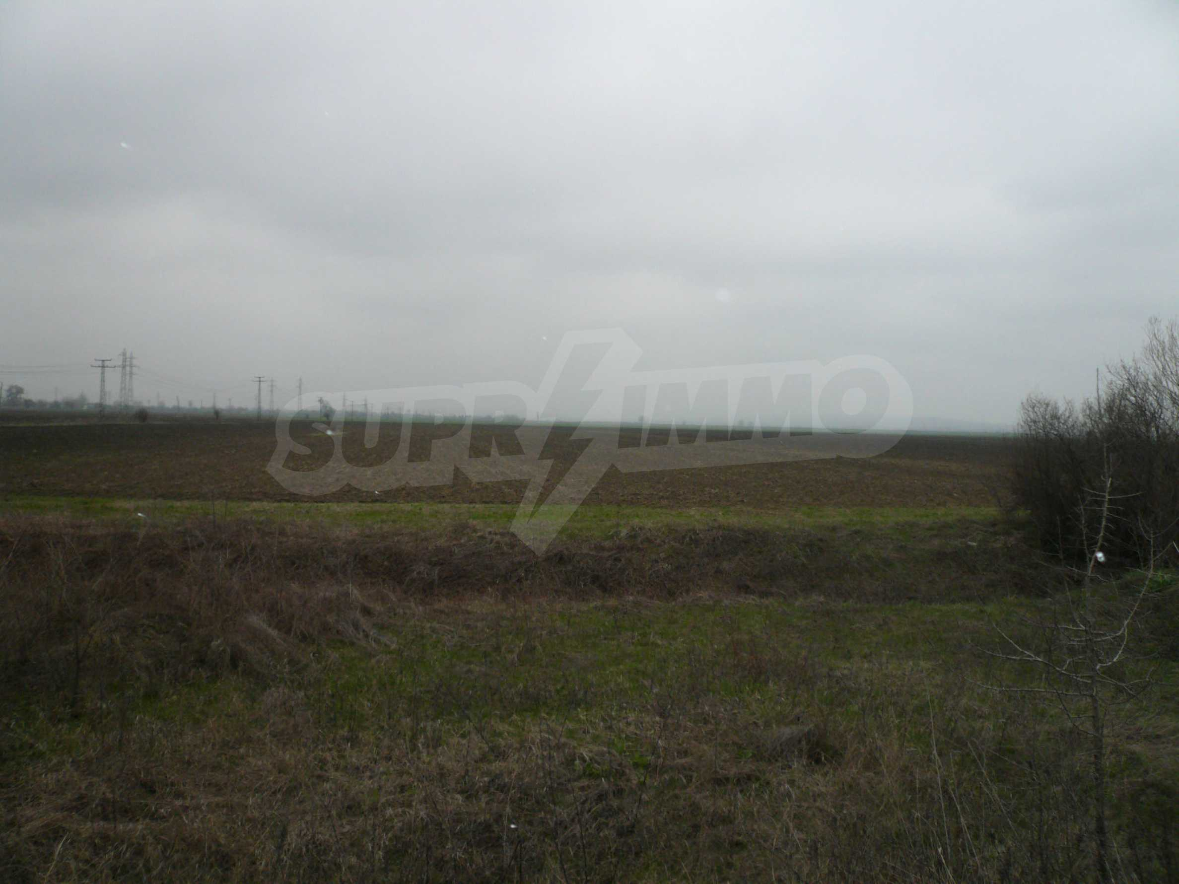 Plot of land at the asphalt road Vidin-Bregovo 2