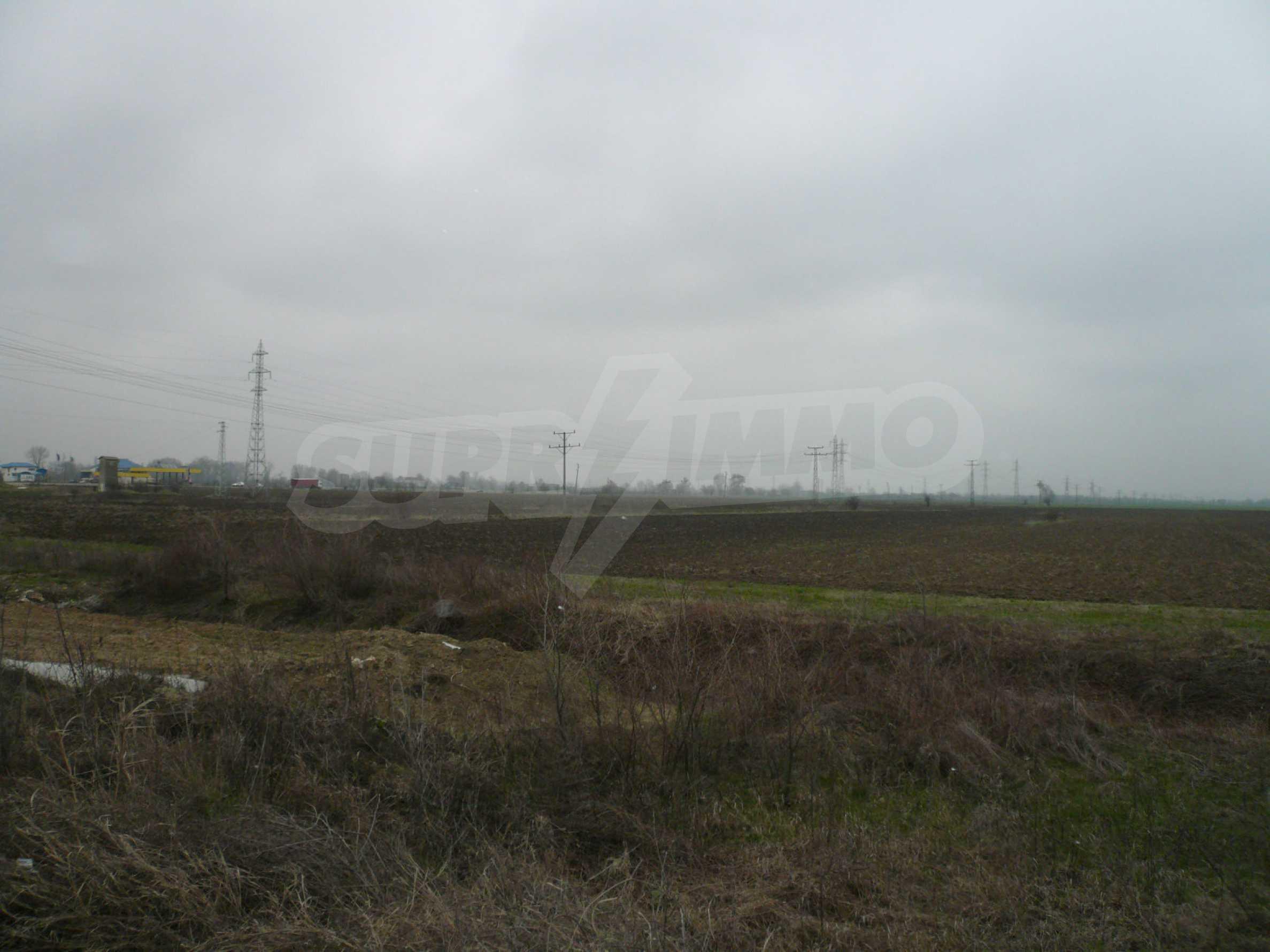 Plot of land at the asphalt road Vidin-Bregovo 3