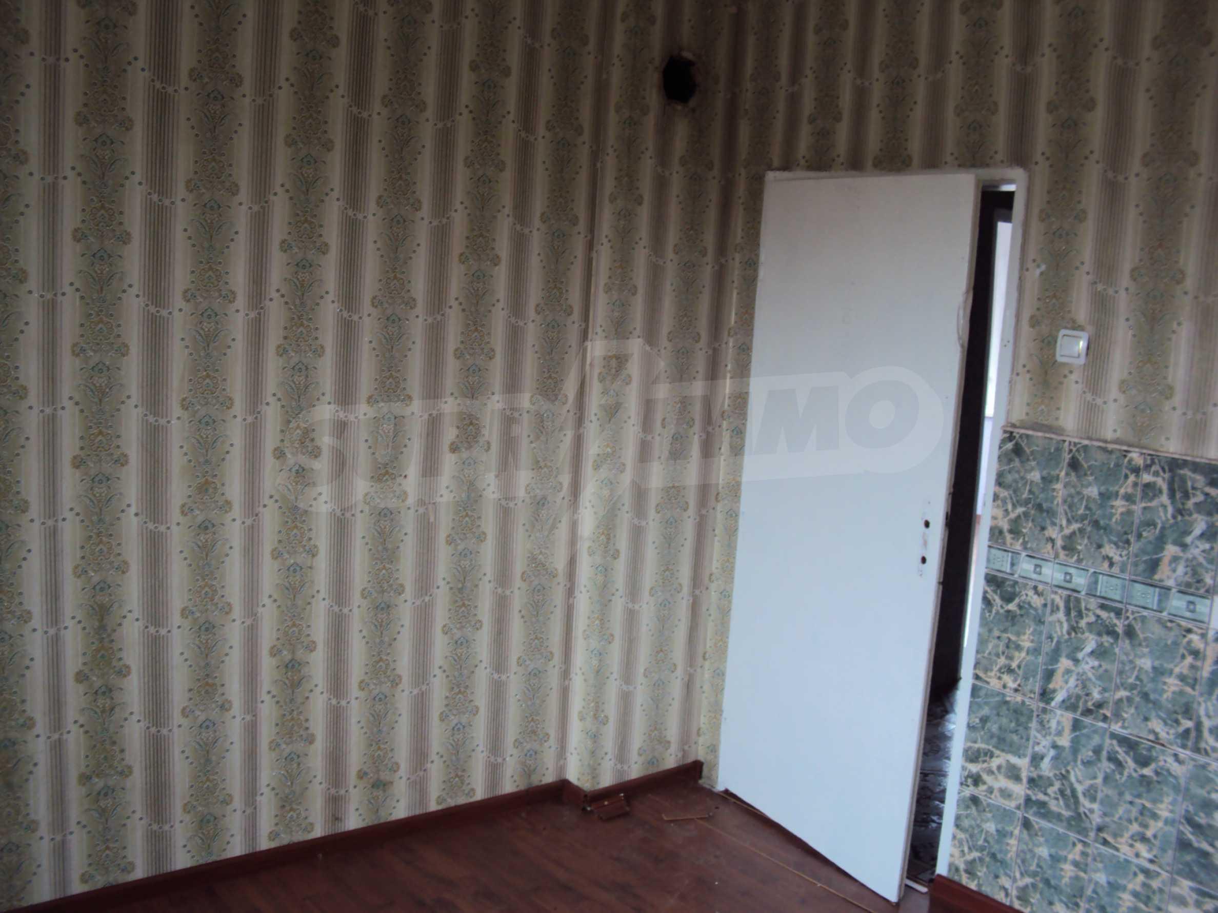 Zweigeschossiges Massivhaus 30 km von Veliko Tarnovo entfernt 9