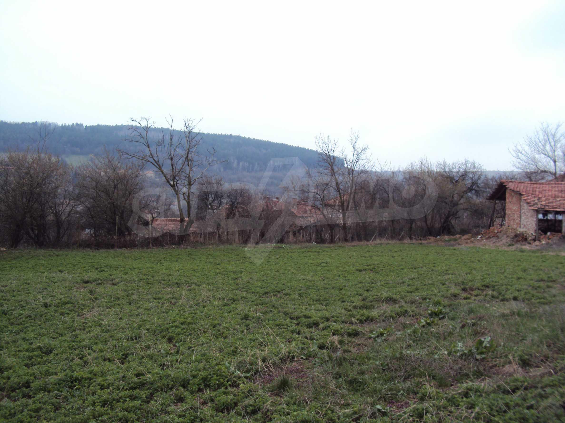 Zweigeschossiges Massivhaus 30 km von Veliko Tarnovo entfernt 14