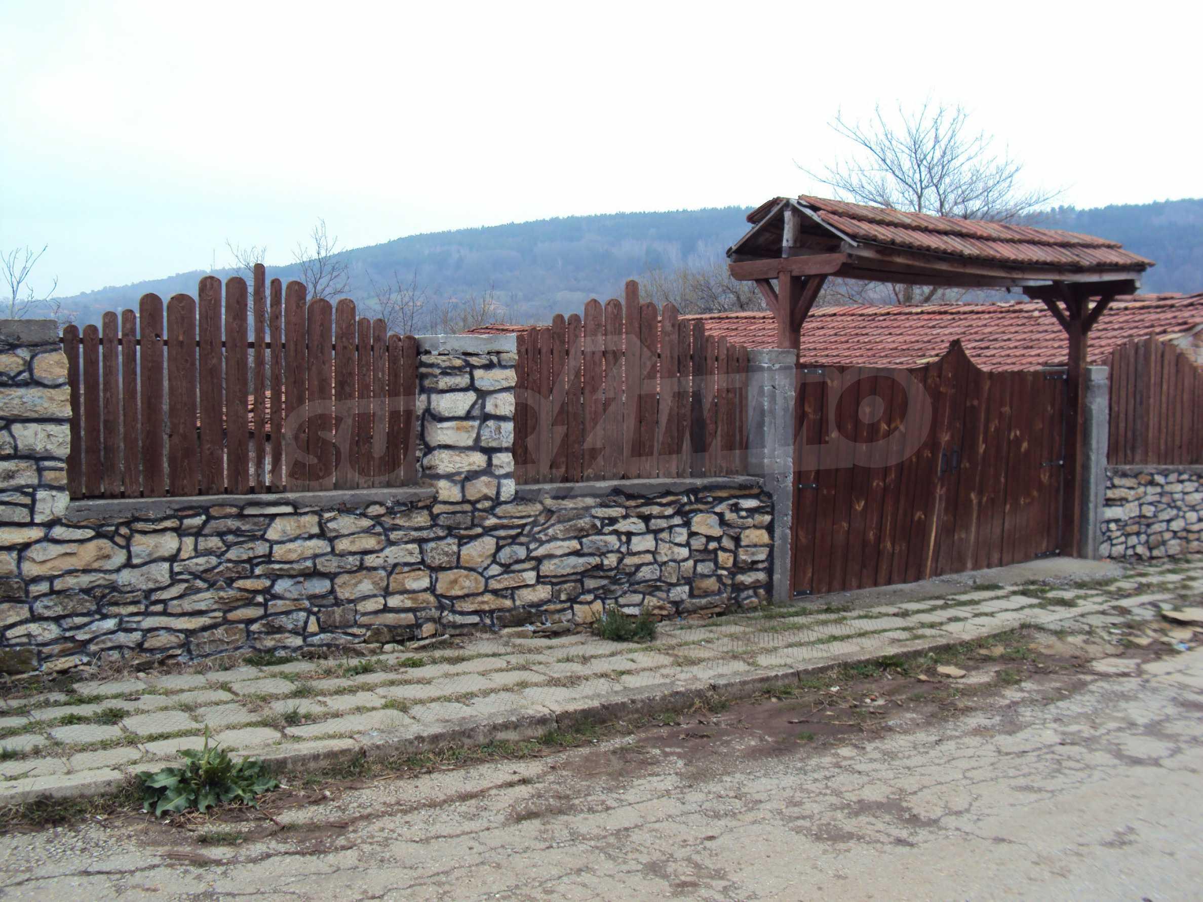 Zweigeschossiges Massivhaus 30 km von Veliko Tarnovo entfernt 4
