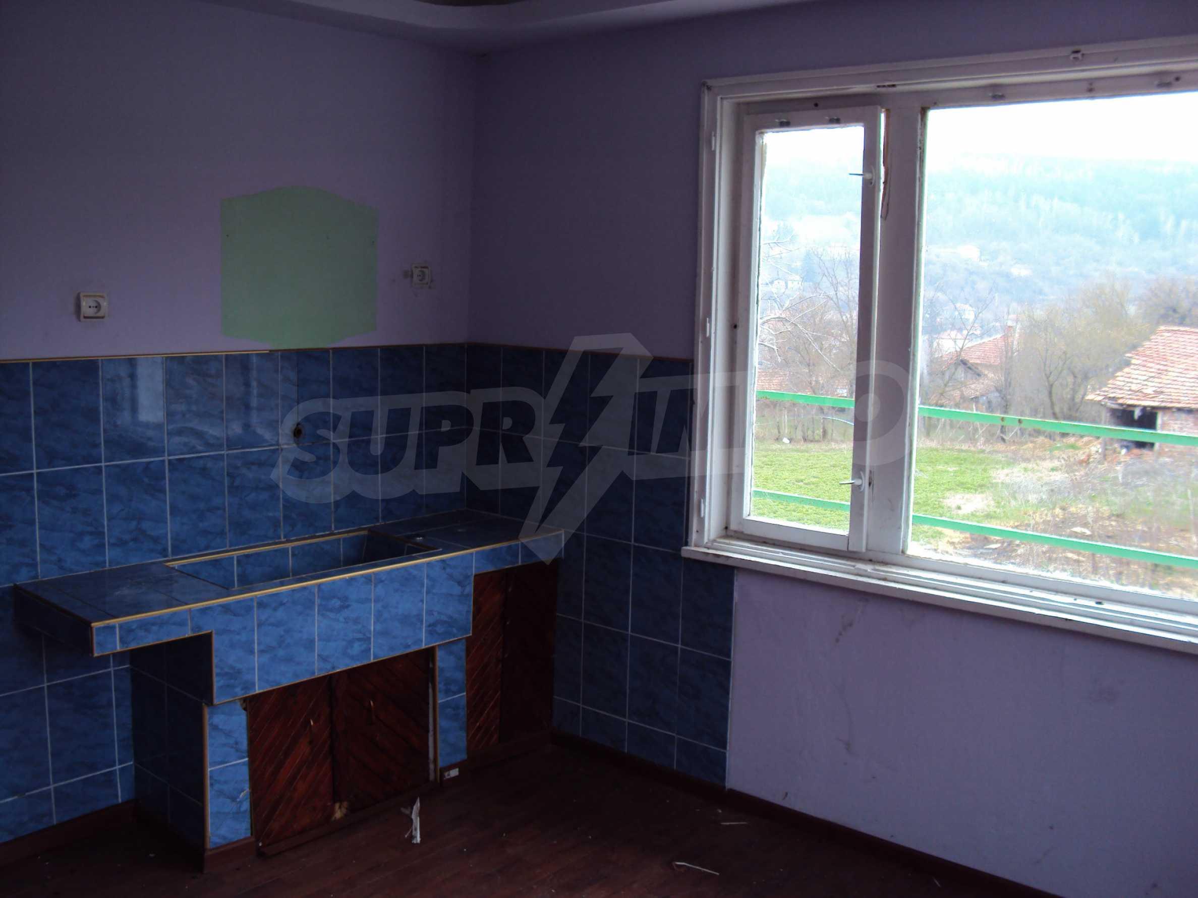Zweigeschossiges Massivhaus 30 km von Veliko Tarnovo entfernt 7