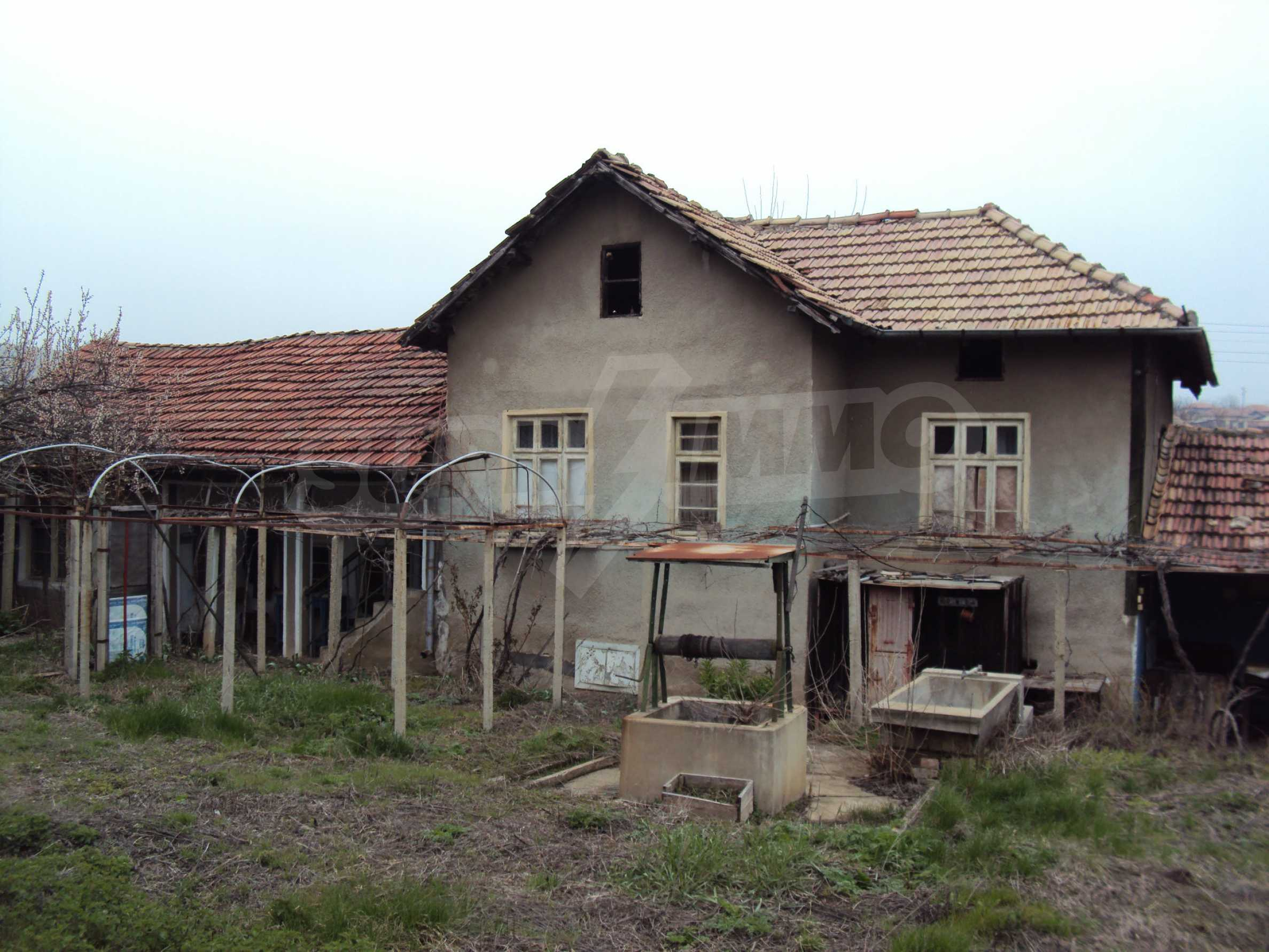 Brick house in a village located 8 km from Pavlikeni