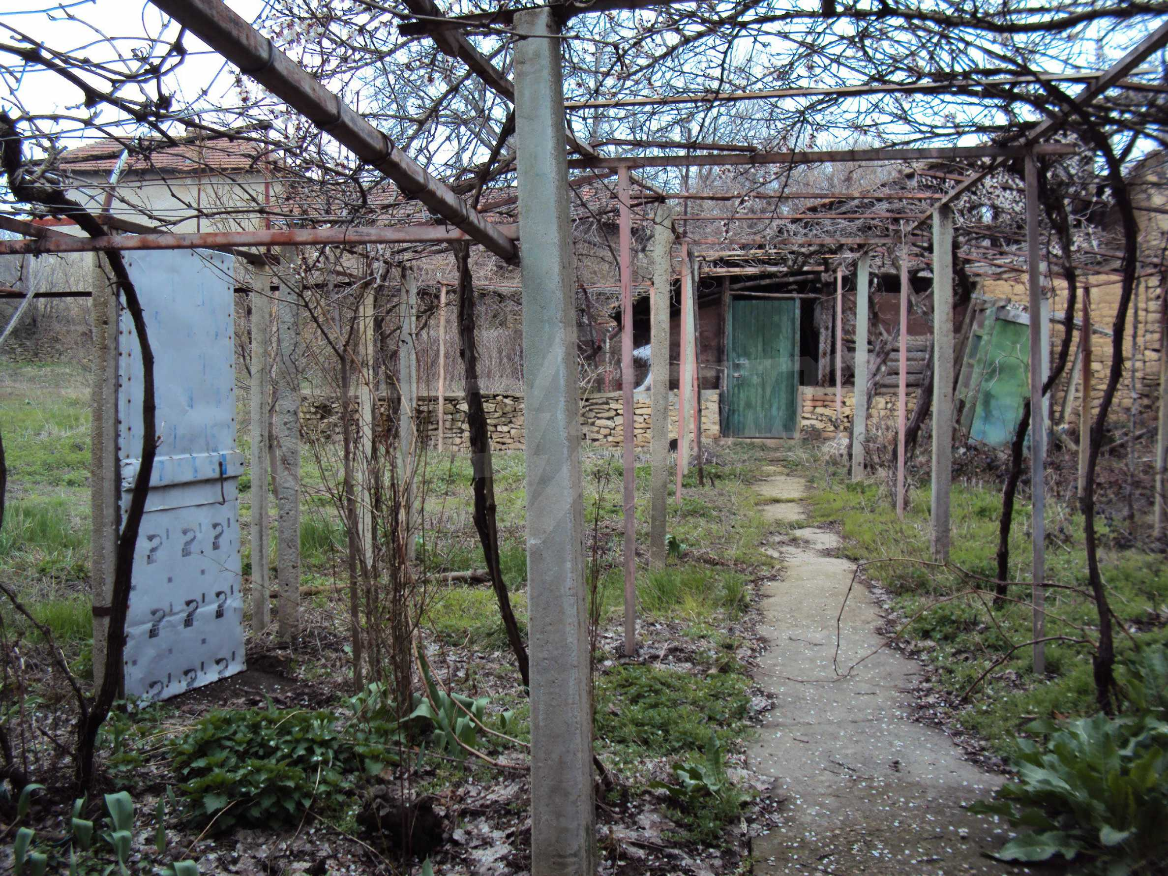 Brick house in a village located 8 km from Pavlikeni 7