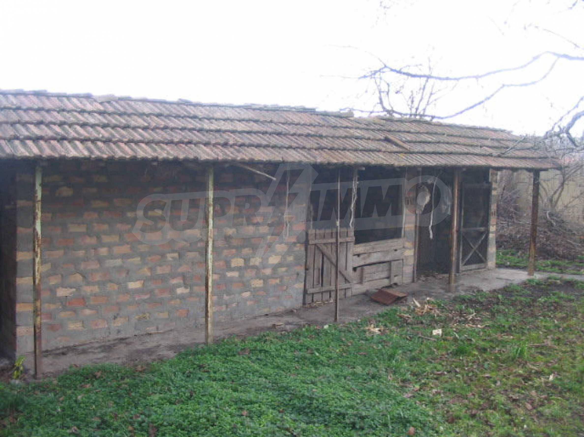Haus mit großem Garten in einem gut entwickelten Dorf in der Nähe von Veliko Tarnovo 1