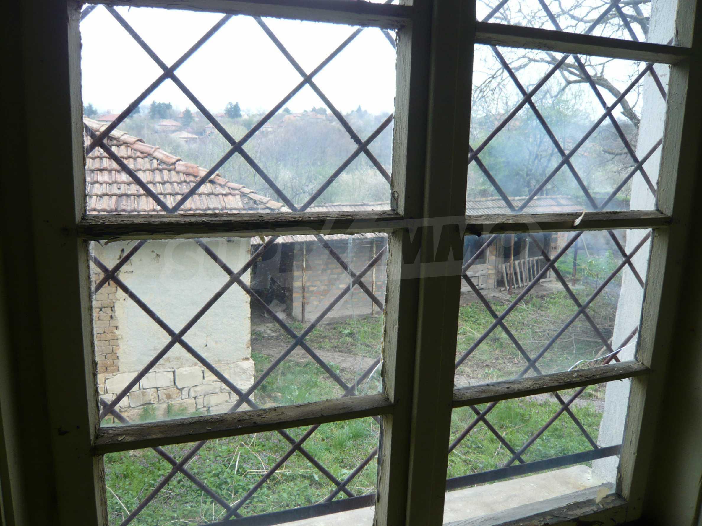 Haus mit großem Garten in einem gut entwickelten Dorf in der Nähe von Veliko Tarnovo 24