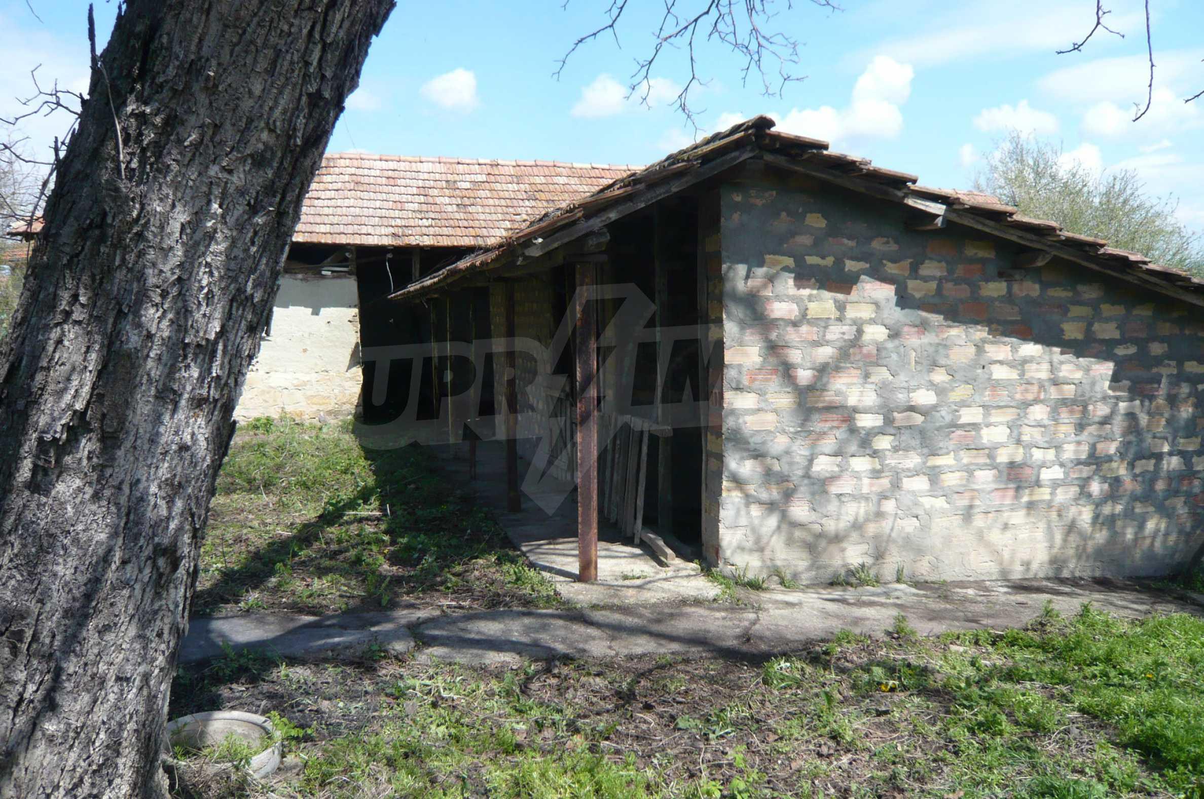 Haus mit großem Garten in einem gut entwickelten Dorf in der Nähe von Veliko Tarnovo 26