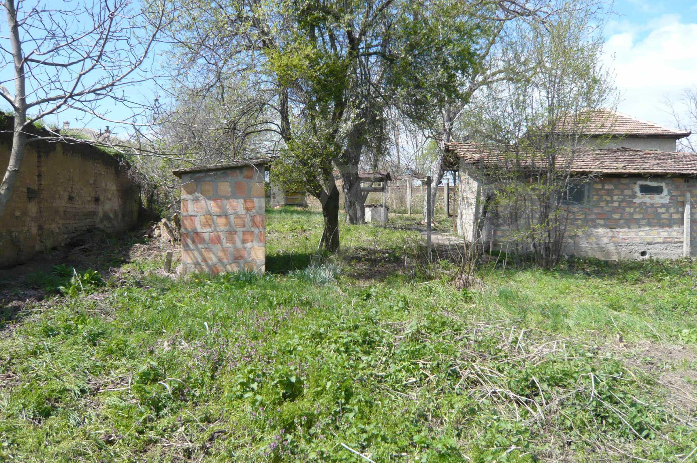 Haus mit großem Garten in einem gut entwickelten Dorf in der Nähe von Veliko Tarnovo 27