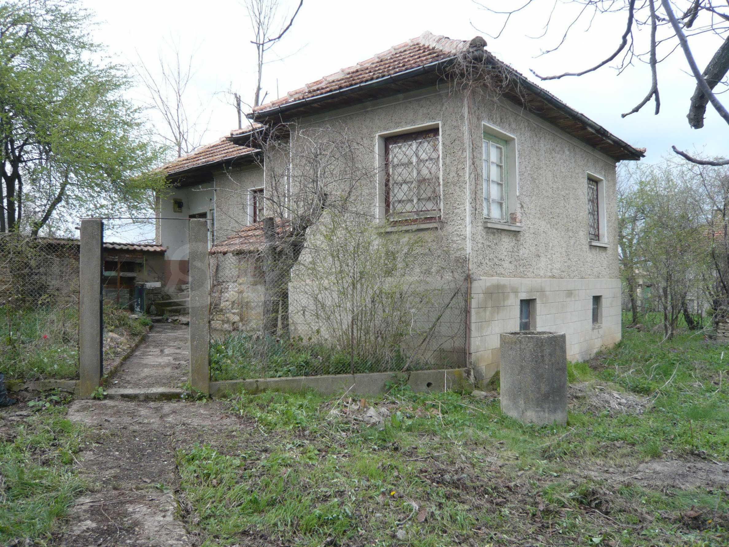 Haus mit großem Garten in einem gut entwickelten Dorf in der Nähe von Veliko Tarnovo 2