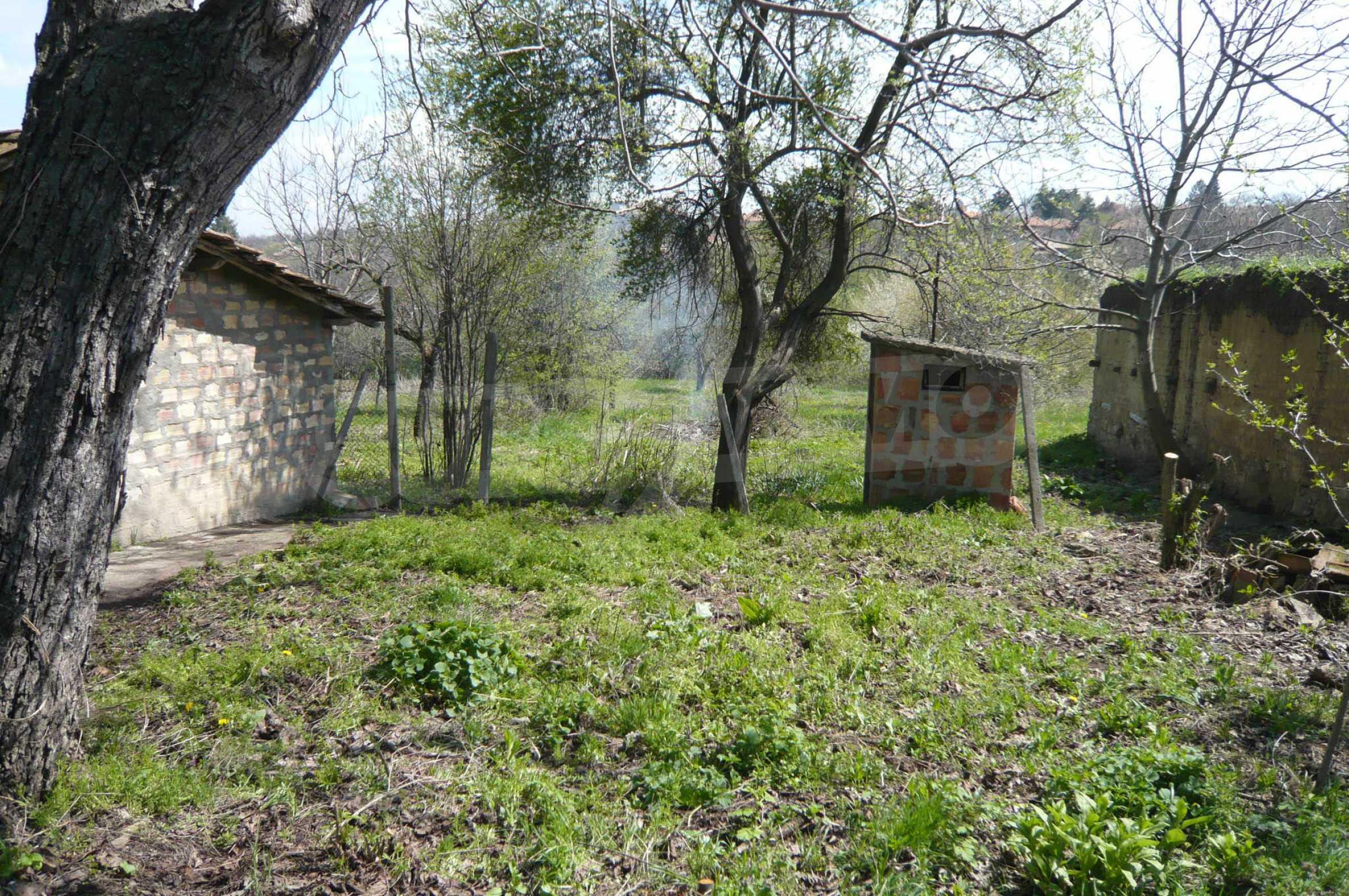 Haus mit großem Garten in einem gut entwickelten Dorf in der Nähe von Veliko Tarnovo 29