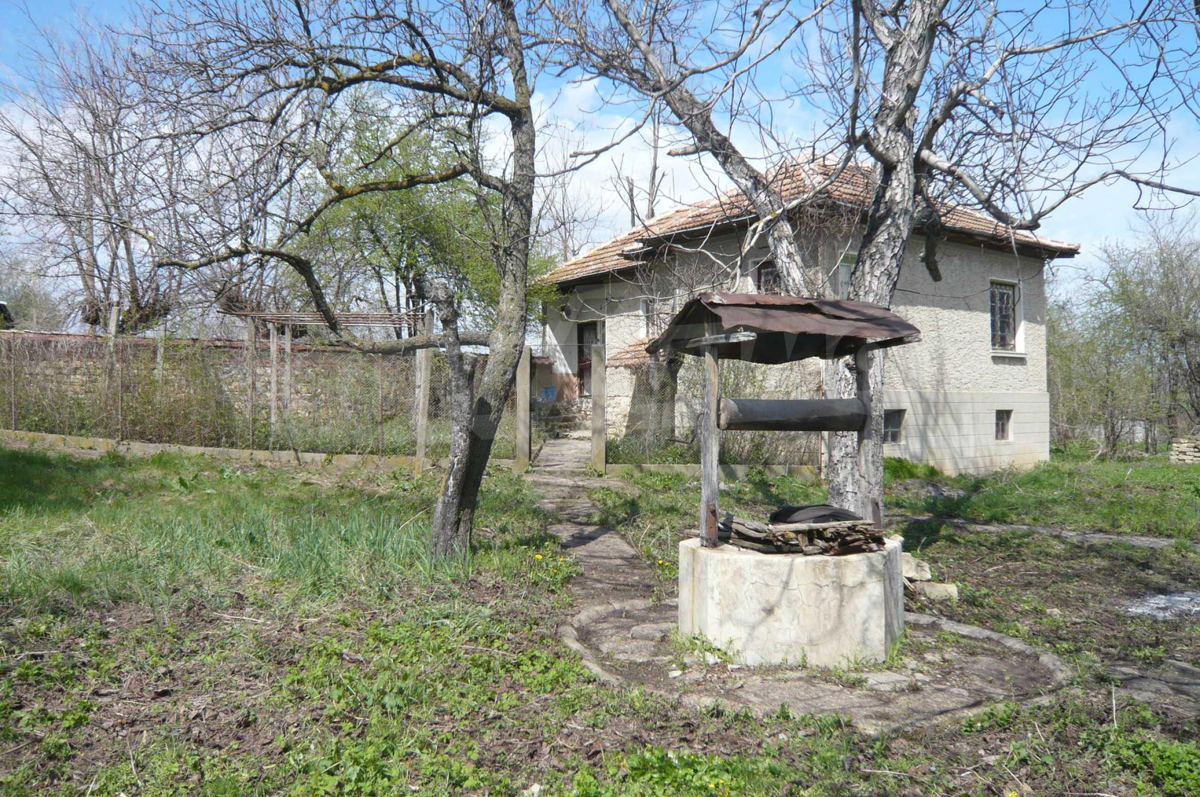 Haus mit großem Garten in einem gut entwickelten Dorf in der Nähe von Veliko Tarnovo 31