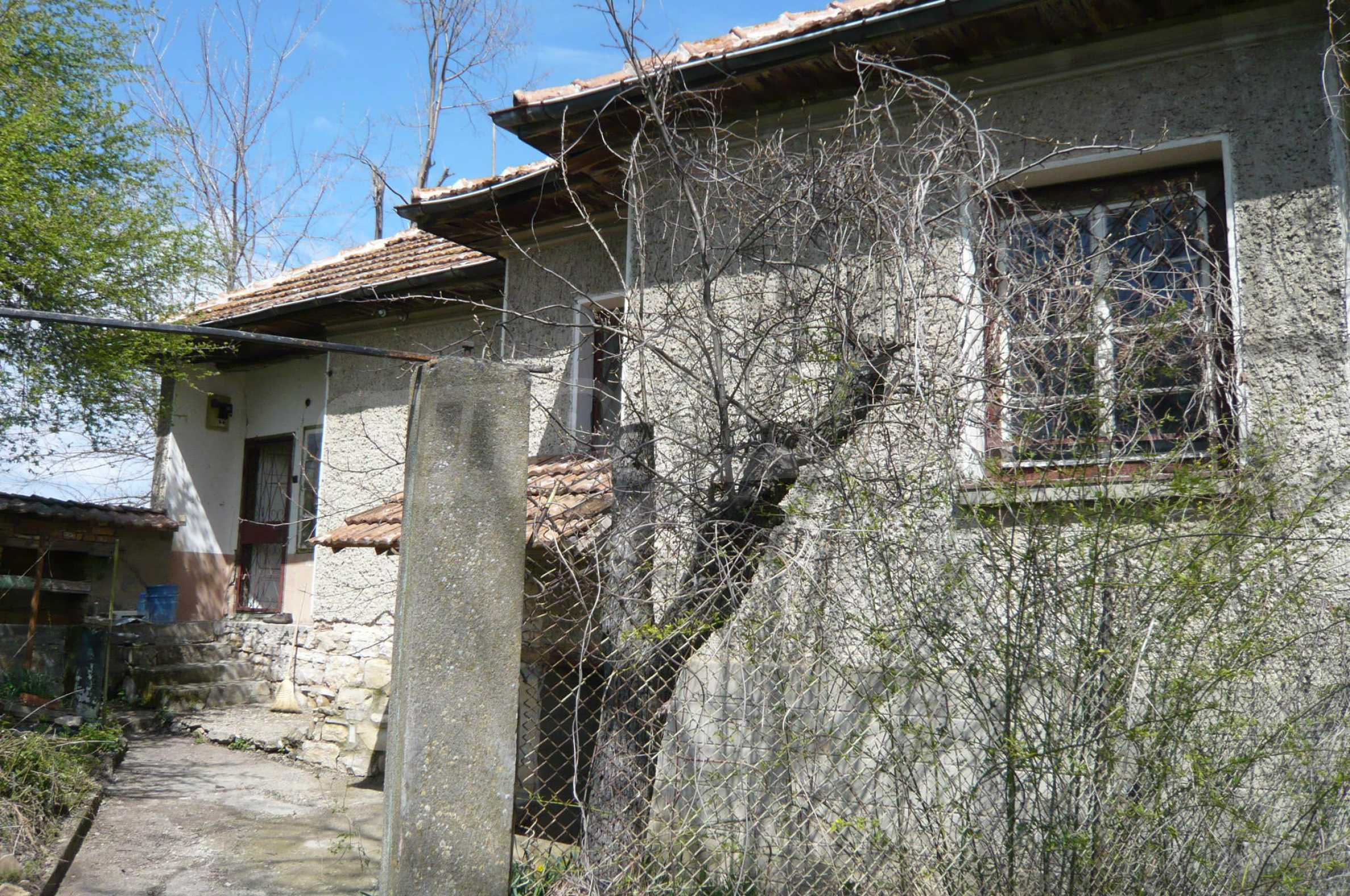House with spacious garden in a well developed village near Veliko Tarnovo 34