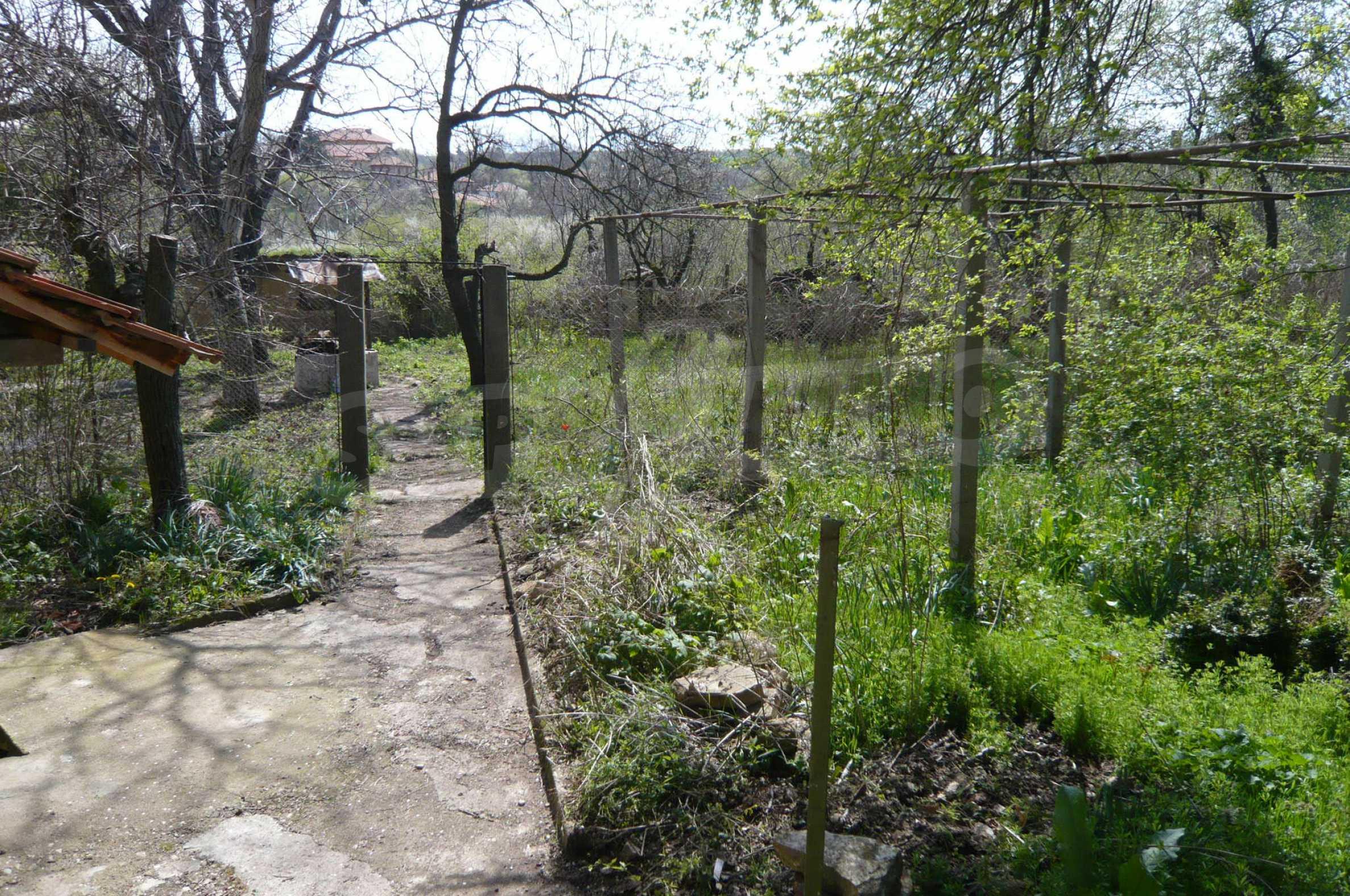 Haus mit großem Garten in einem gut entwickelten Dorf in der Nähe von Veliko Tarnovo 37