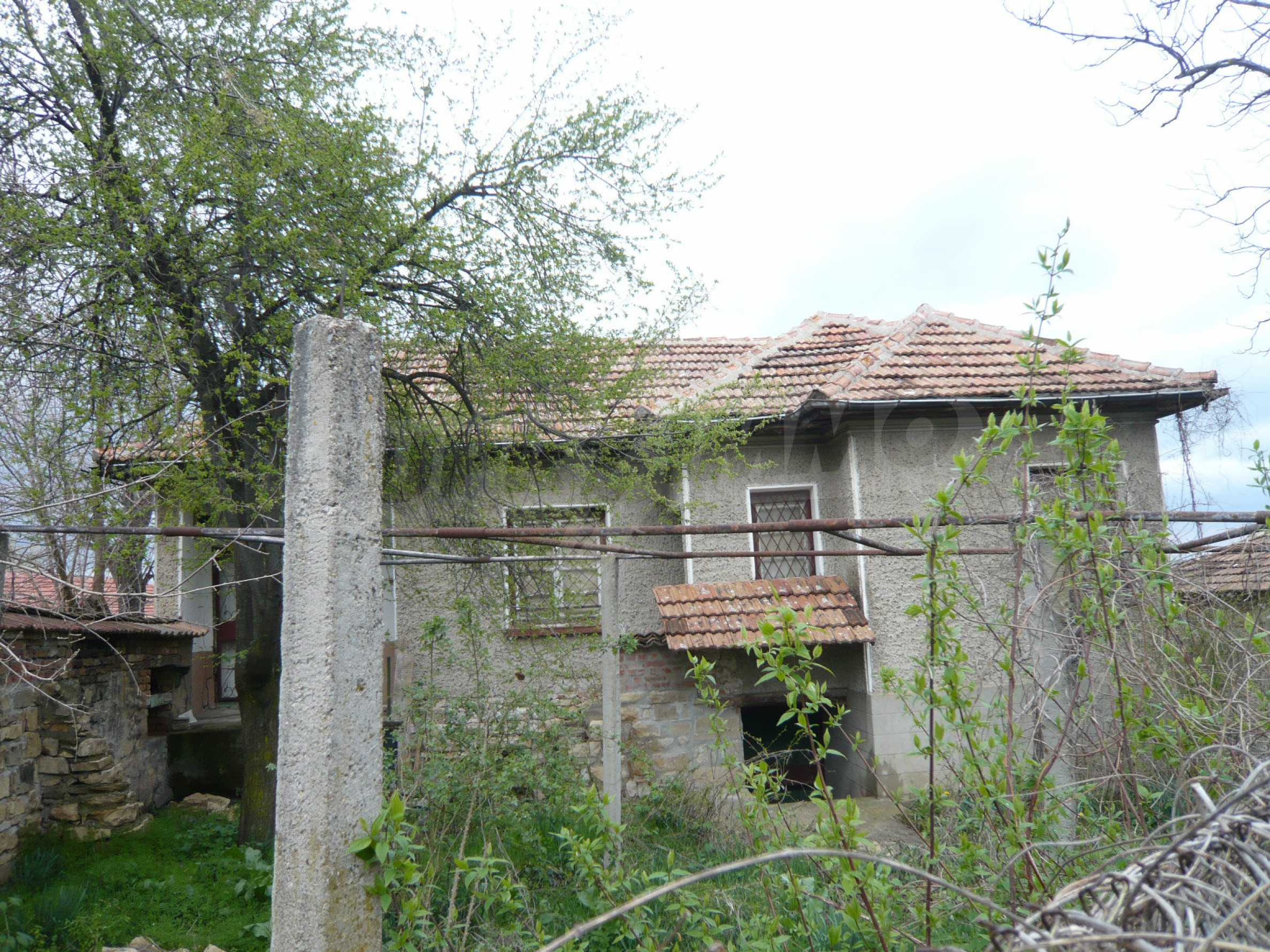 House with spacious garden in a well developed village near Veliko Tarnovo 3