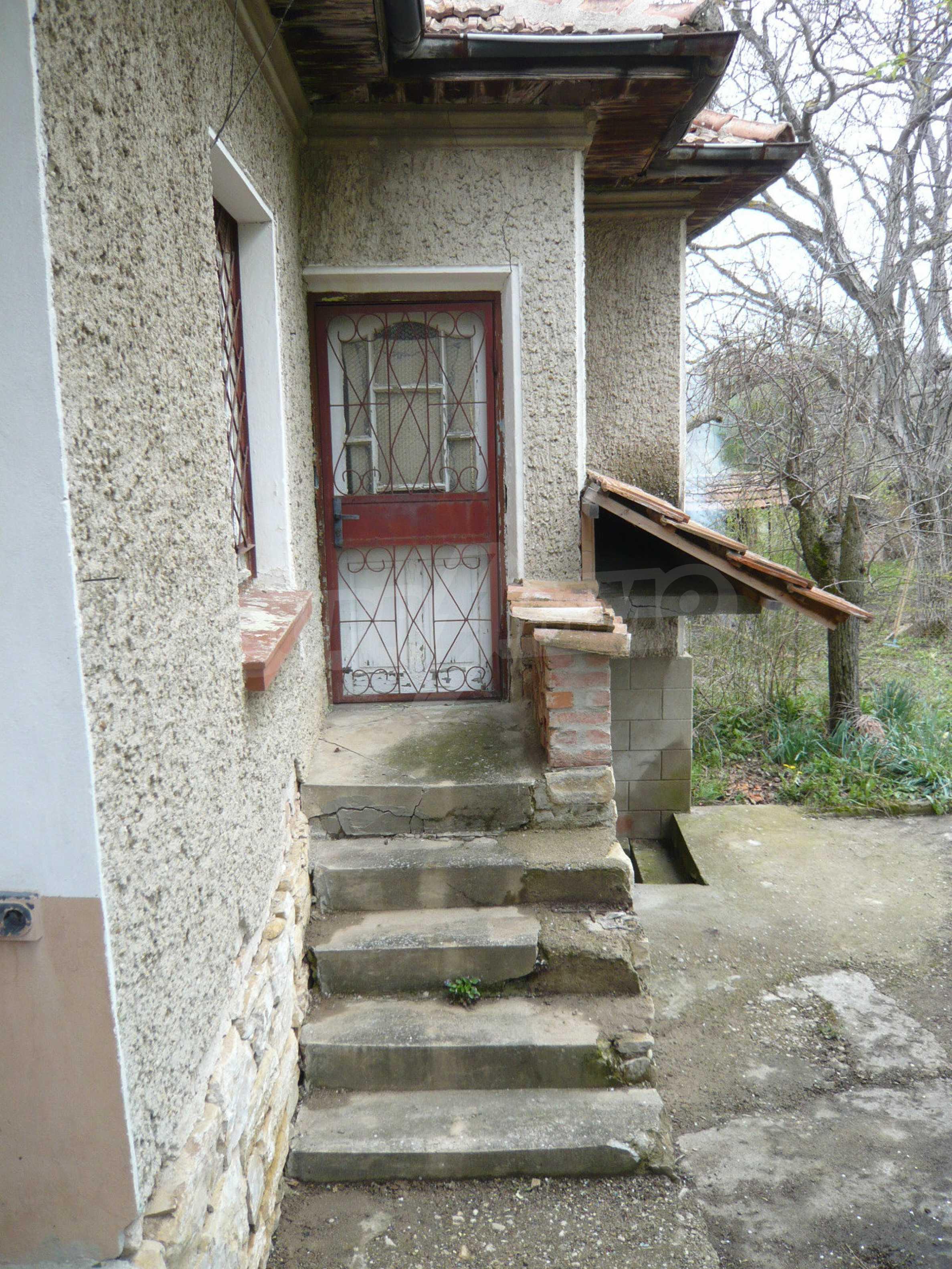 Haus mit großem Garten in einem gut entwickelten Dorf in der Nähe von Veliko Tarnovo 43