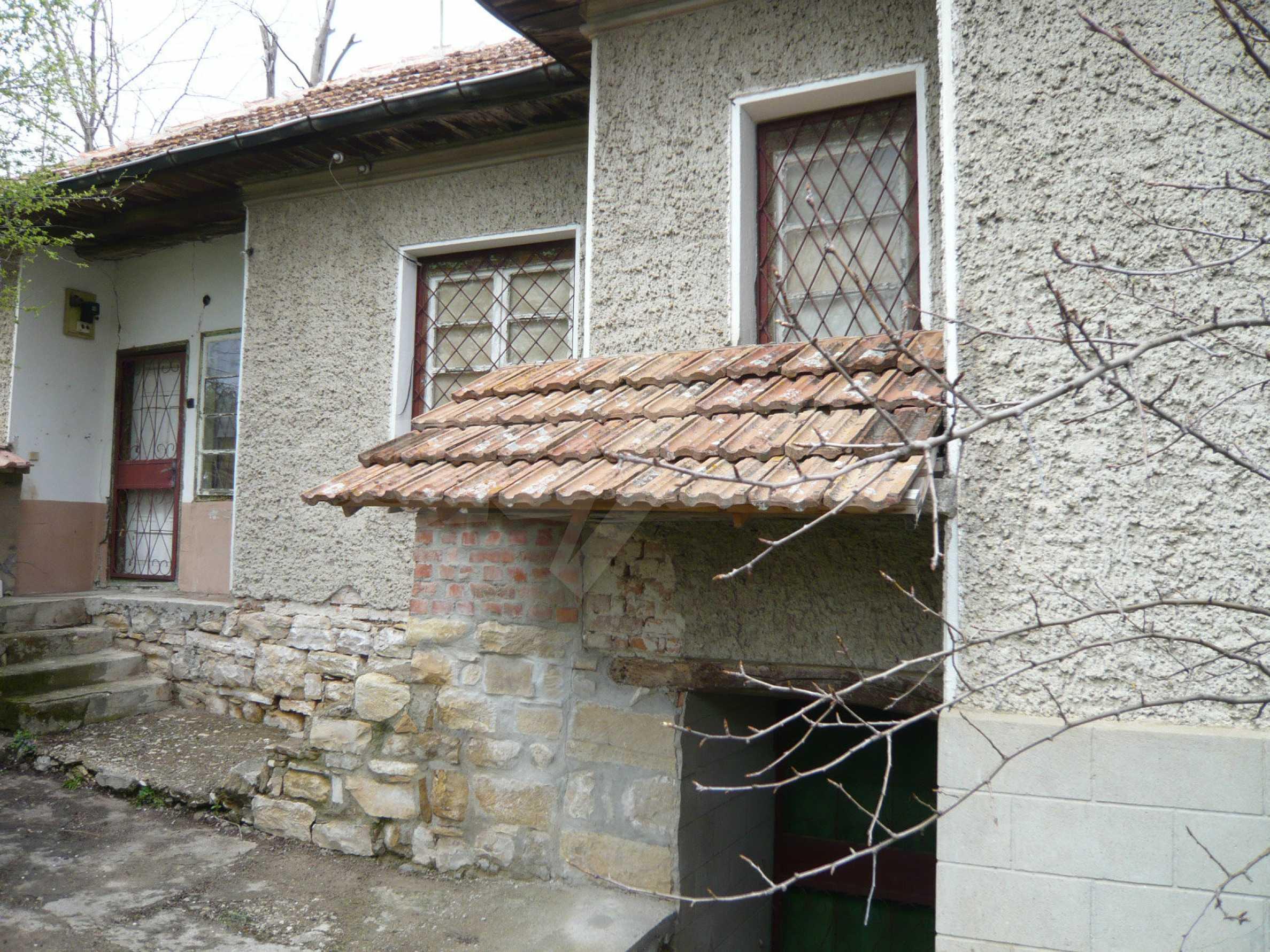 Haus mit großem Garten in einem gut entwickelten Dorf in der Nähe von Veliko Tarnovo 45