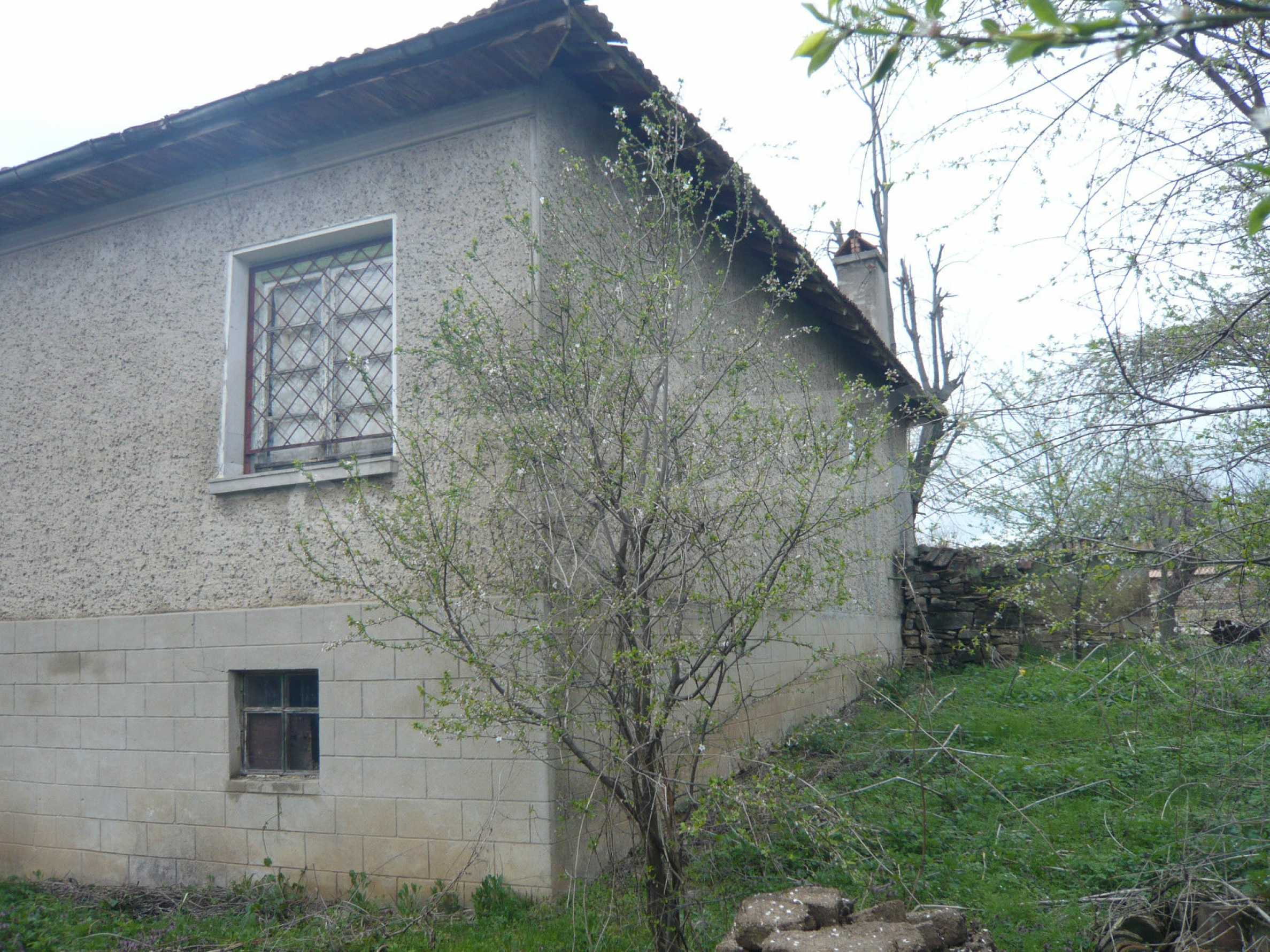 House with spacious garden in a well developed village near Veliko Tarnovo 46