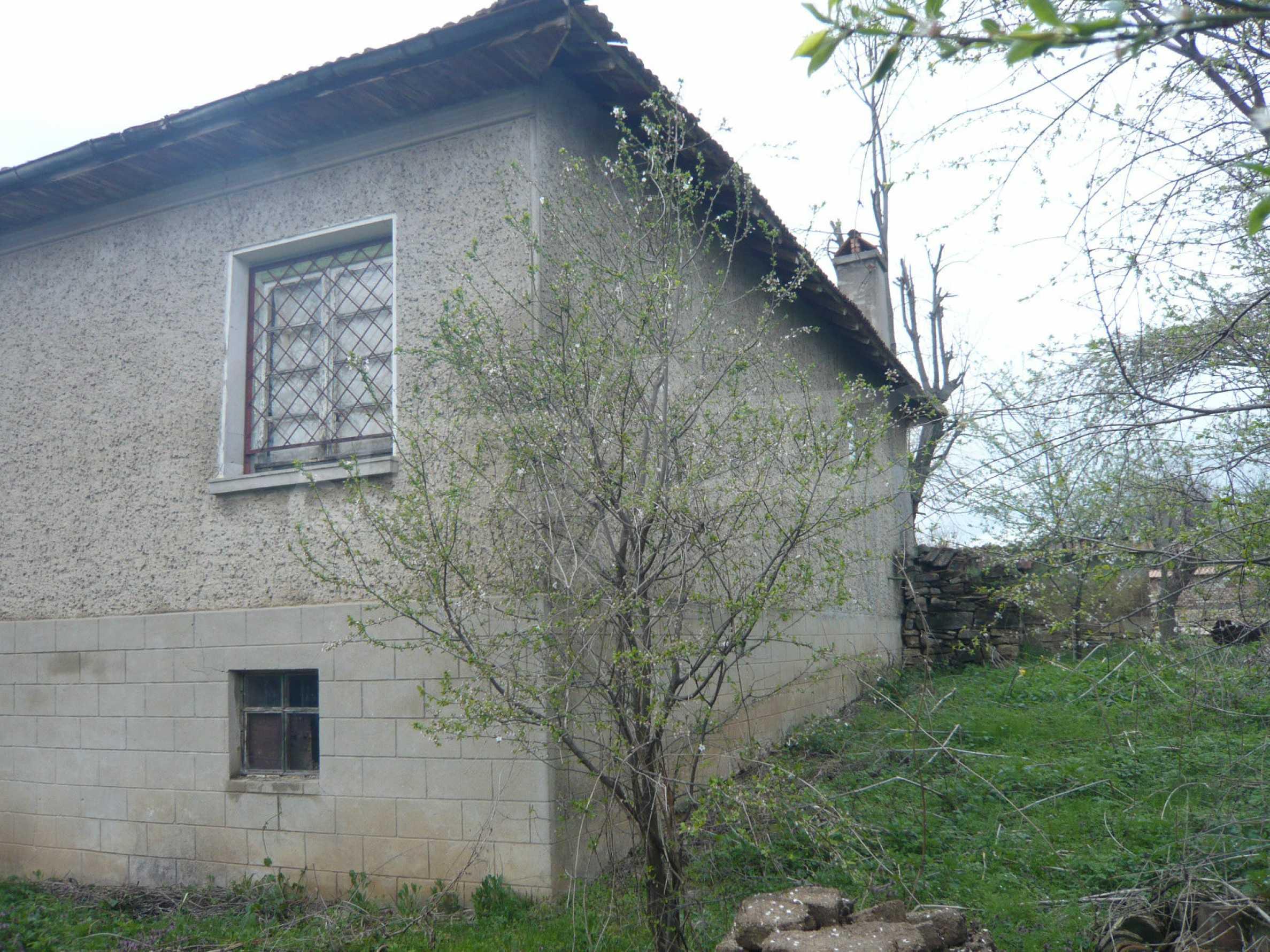 Haus mit großem Garten in einem gut entwickelten Dorf in der Nähe von Veliko Tarnovo 46