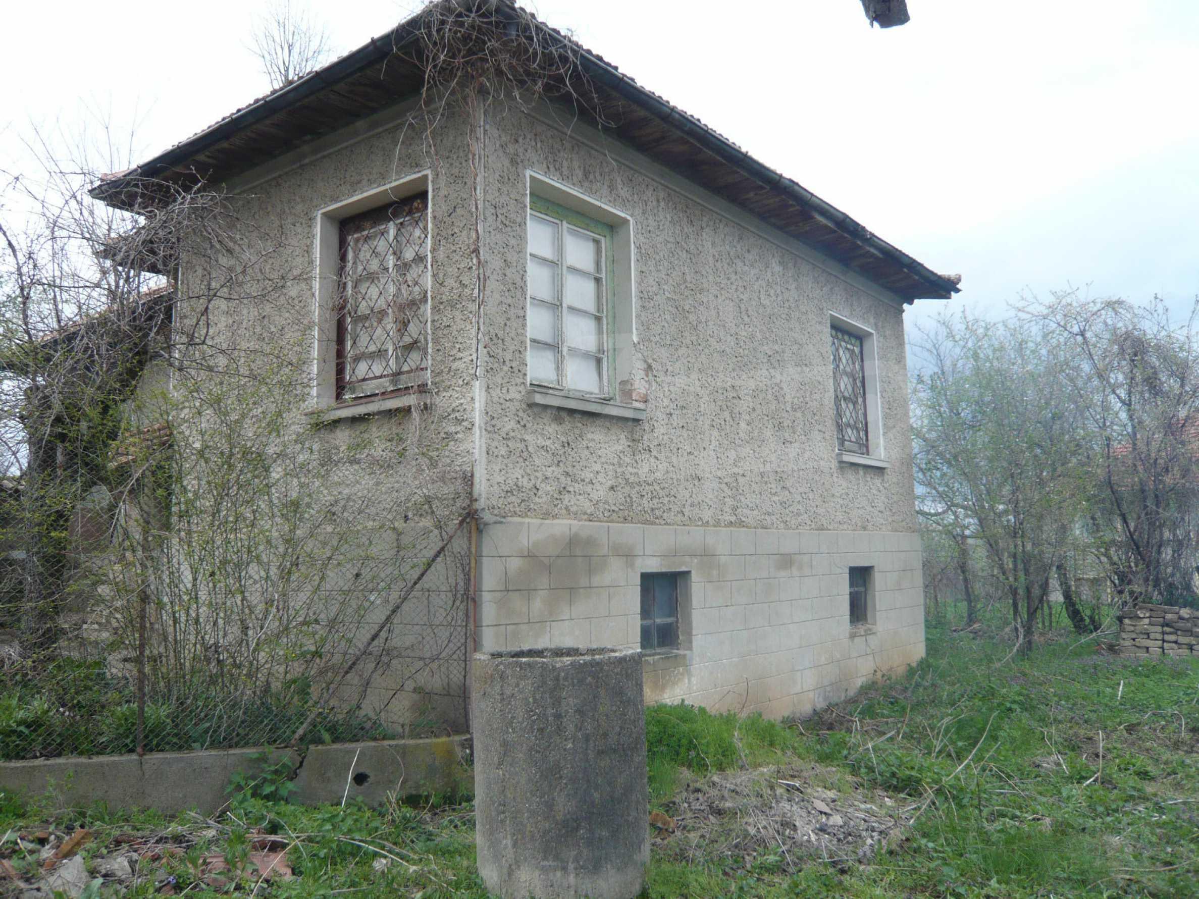 Haus mit großem Garten in einem gut entwickelten Dorf in der Nähe von Veliko Tarnovo 4