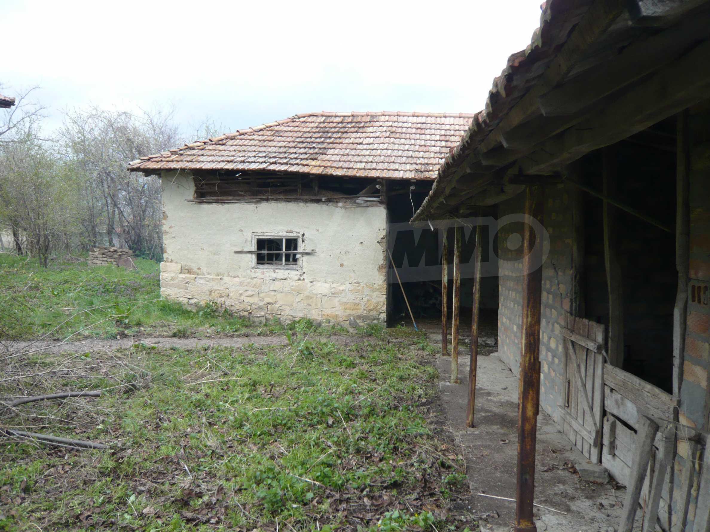Haus mit großem Garten in einem gut entwickelten Dorf in der Nähe von Veliko Tarnovo 49