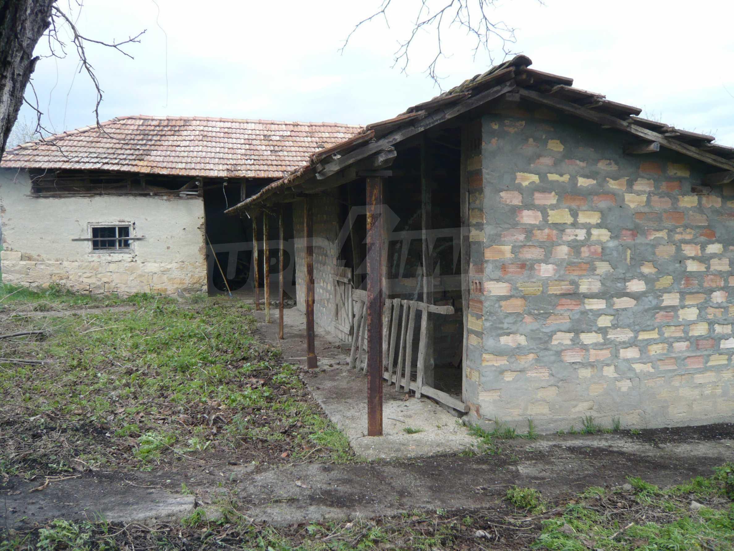 Haus mit großem Garten in einem gut entwickelten Dorf in der Nähe von Veliko Tarnovo 50