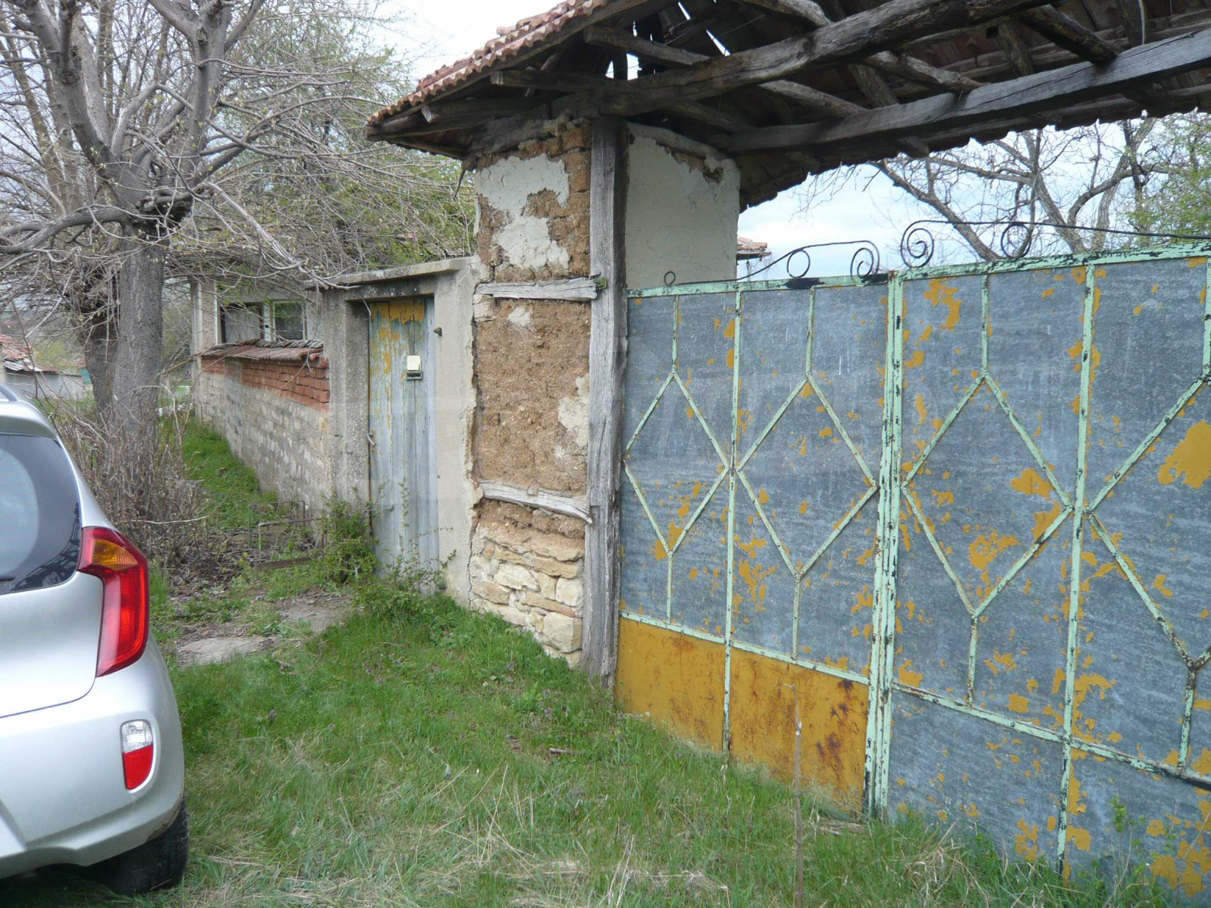 House with spacious garden in a well developed village near Veliko Tarnovo 58