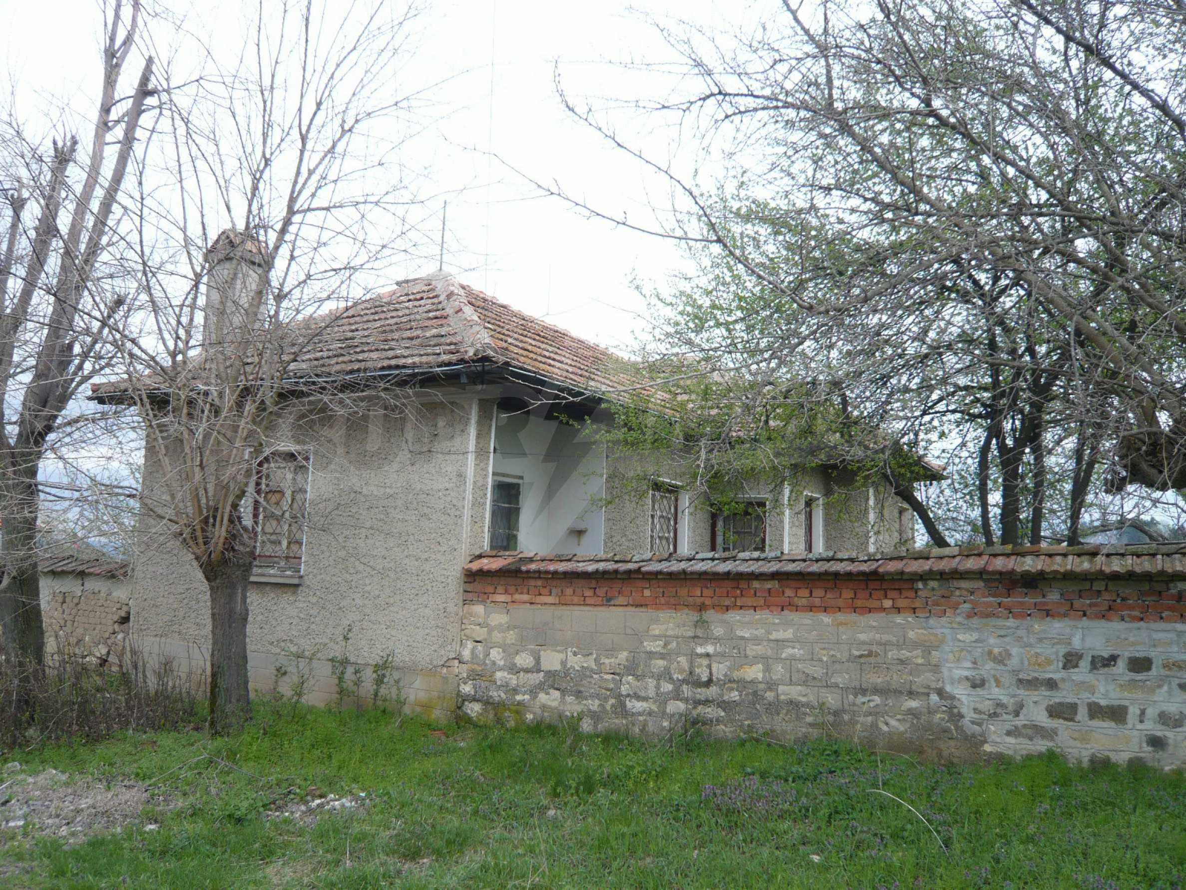 Haus mit großem Garten in einem gut entwickelten Dorf in der Nähe von Veliko Tarnovo 59
