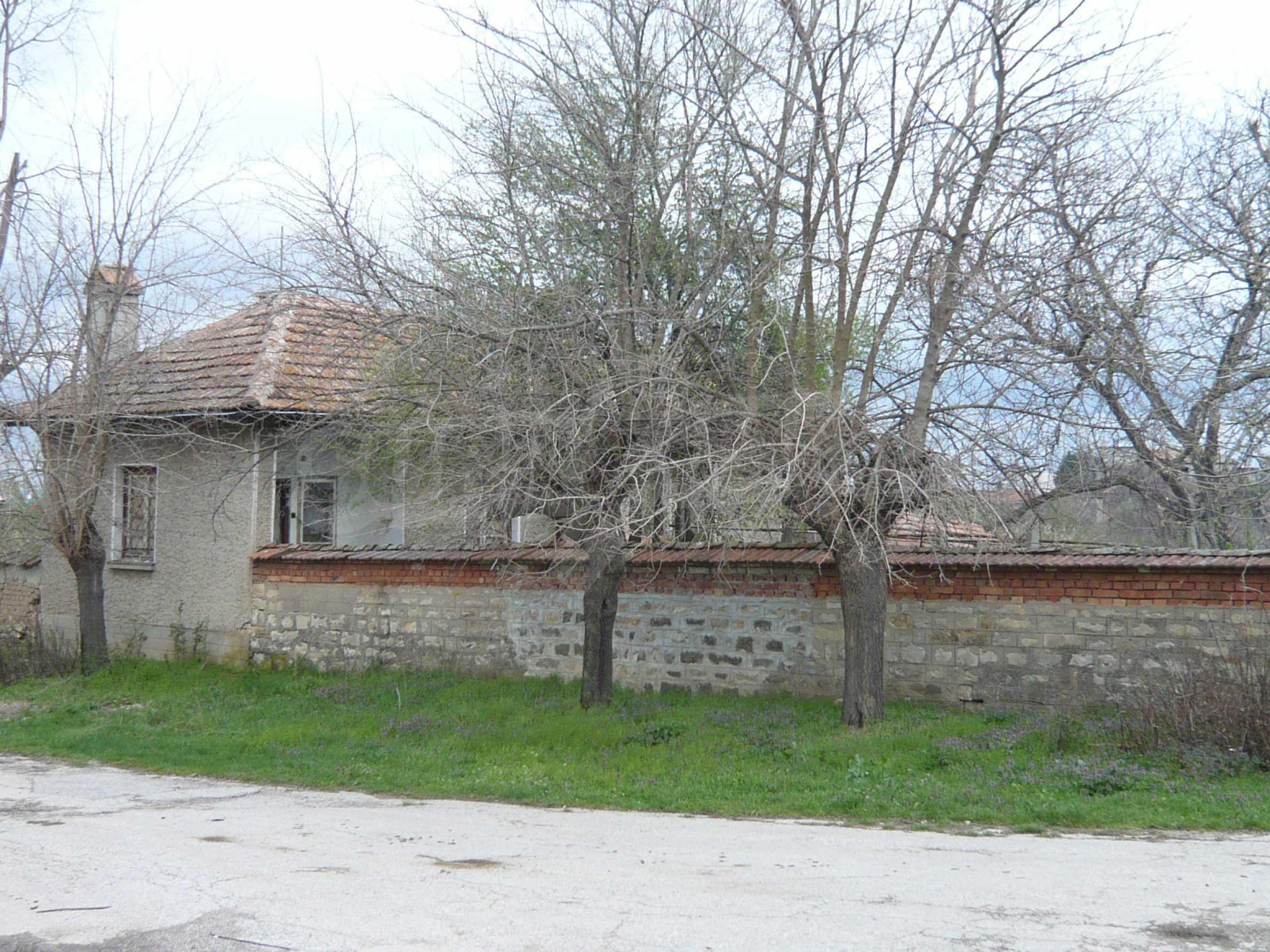 Haus mit großem Garten in einem gut entwickelten Dorf in der Nähe von Veliko Tarnovo 62