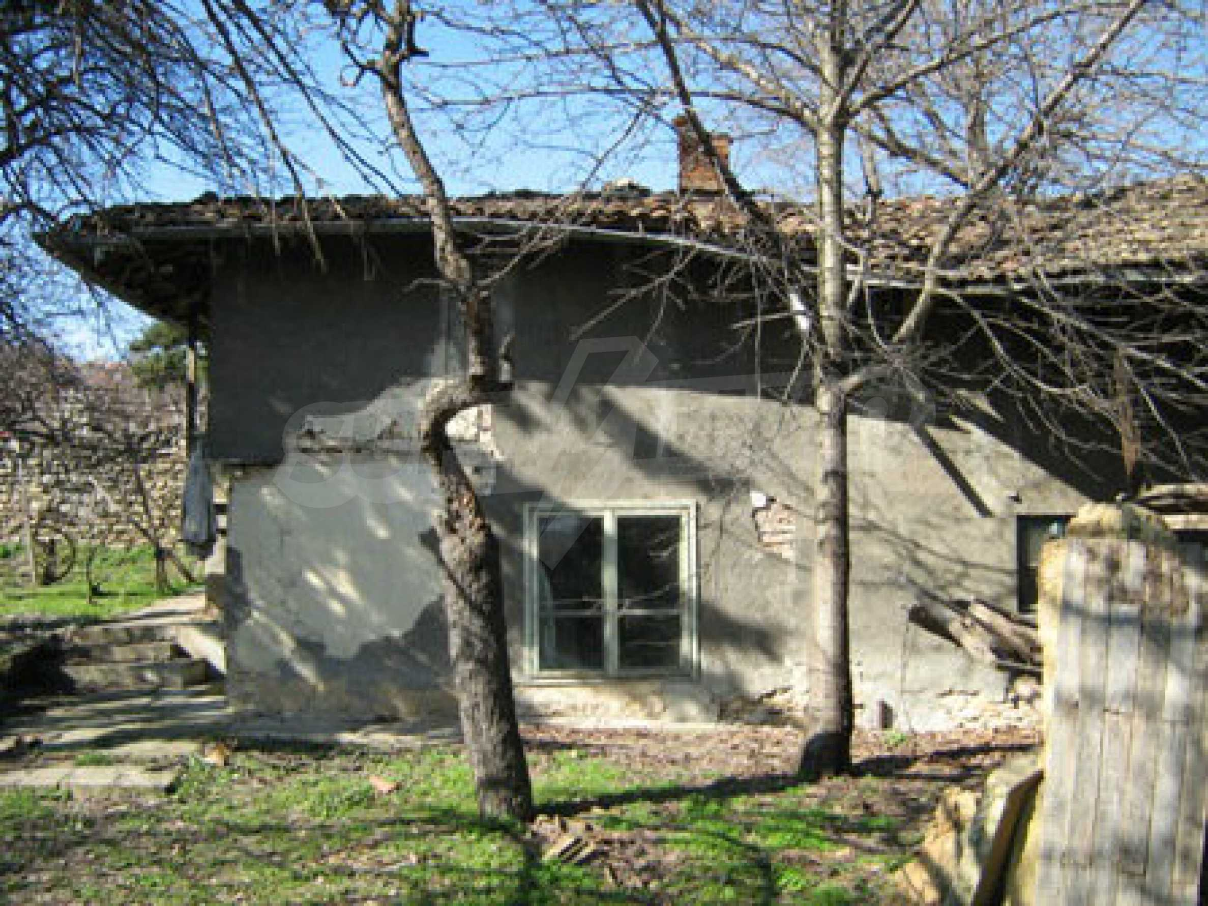 Old authentic house with large garden near Veliko Tarnovo 2