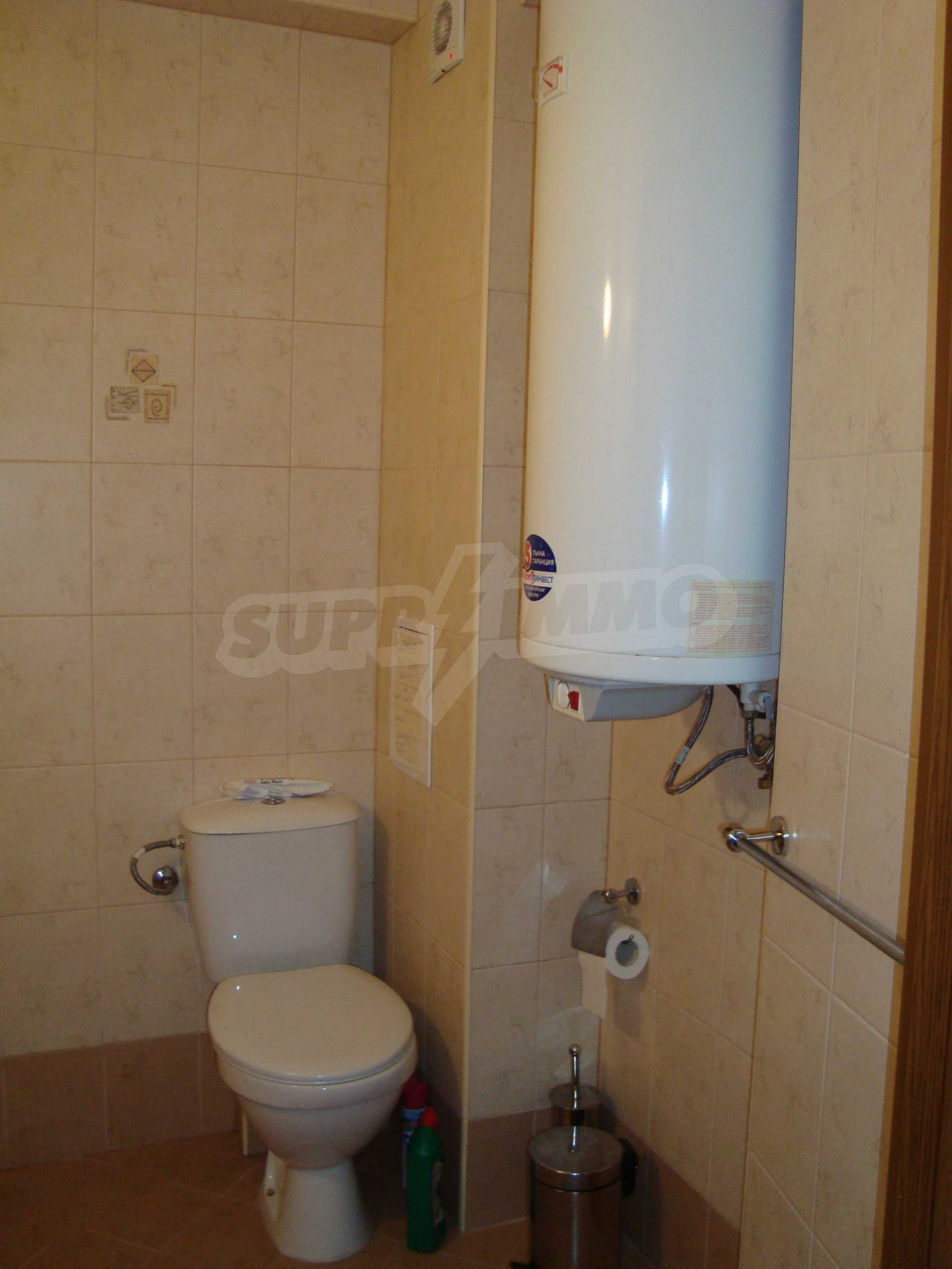 Two-bedroom apartment for sale in the center of Chernomorets 11