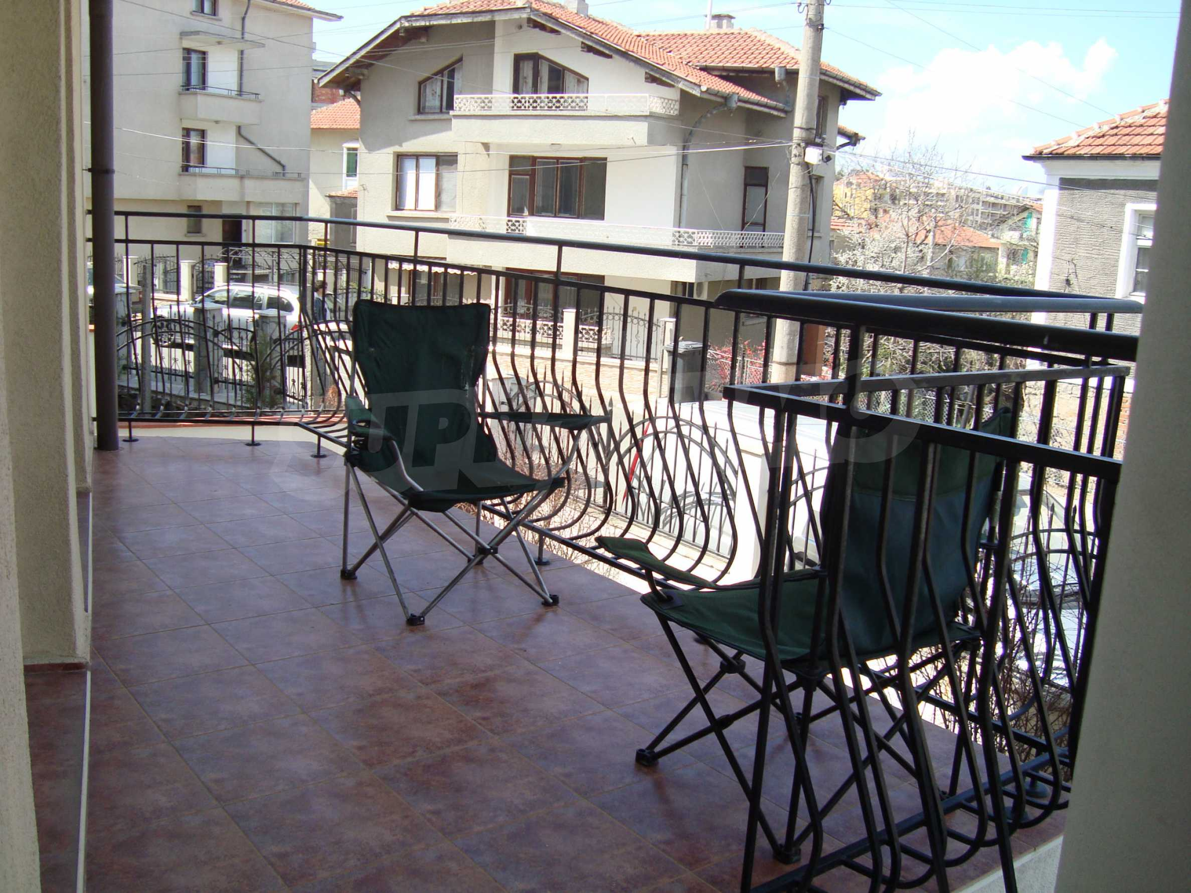 Two-bedroom apartment for sale in the center of Chernomorets 13