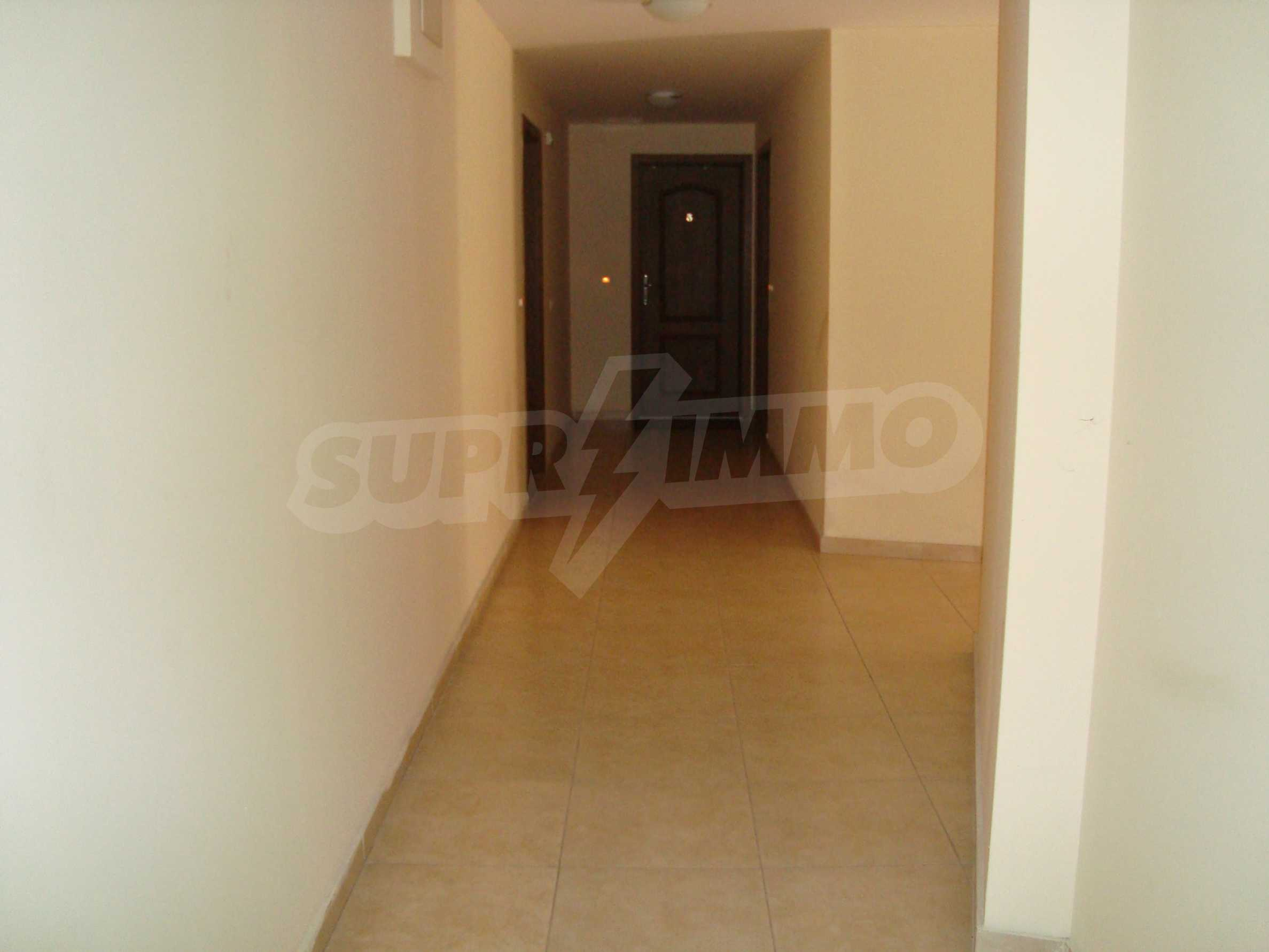 Two-bedroom apartment for sale in the center of Chernomorets 14
