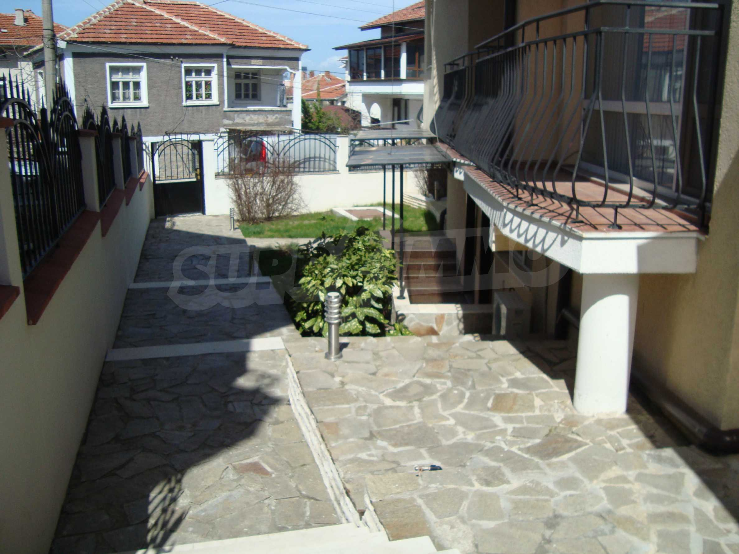 Two-bedroom apartment for sale in the center of Chernomorets 18