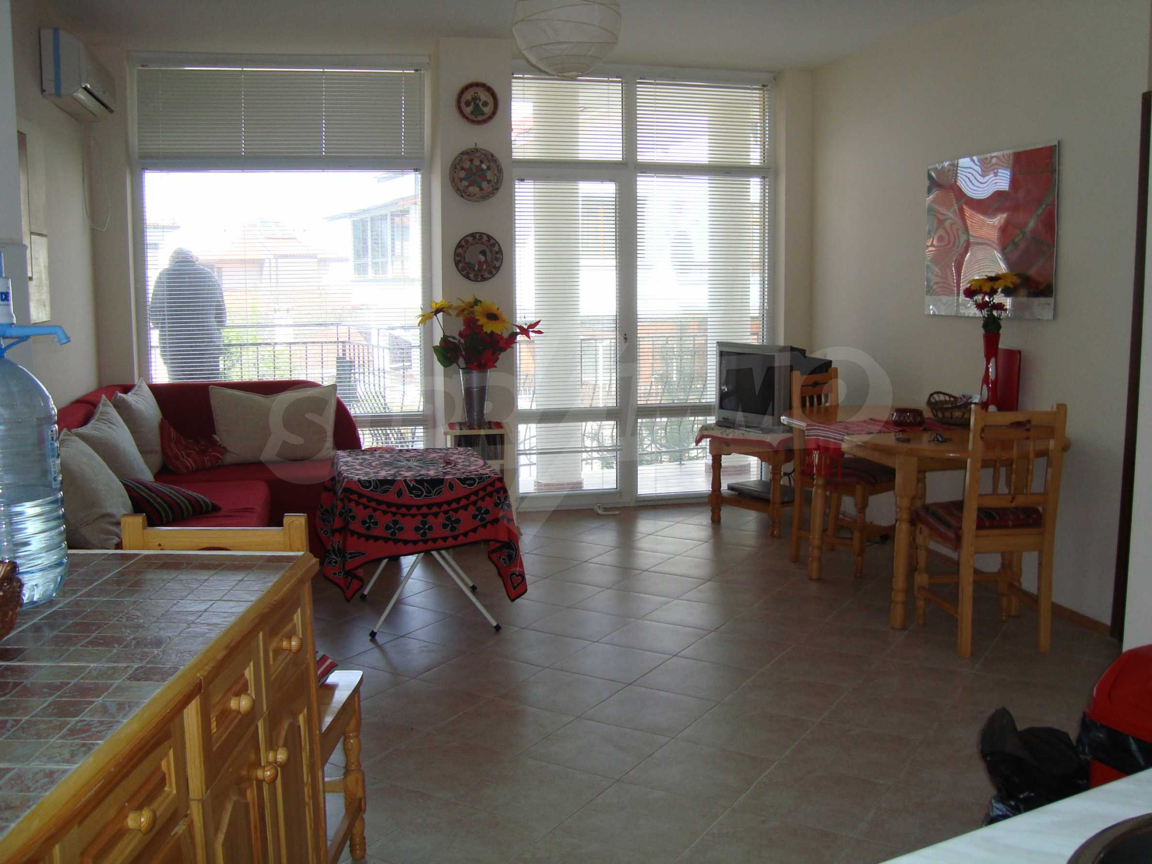 Two-bedroom apartment for sale in the center of Chernomorets 1