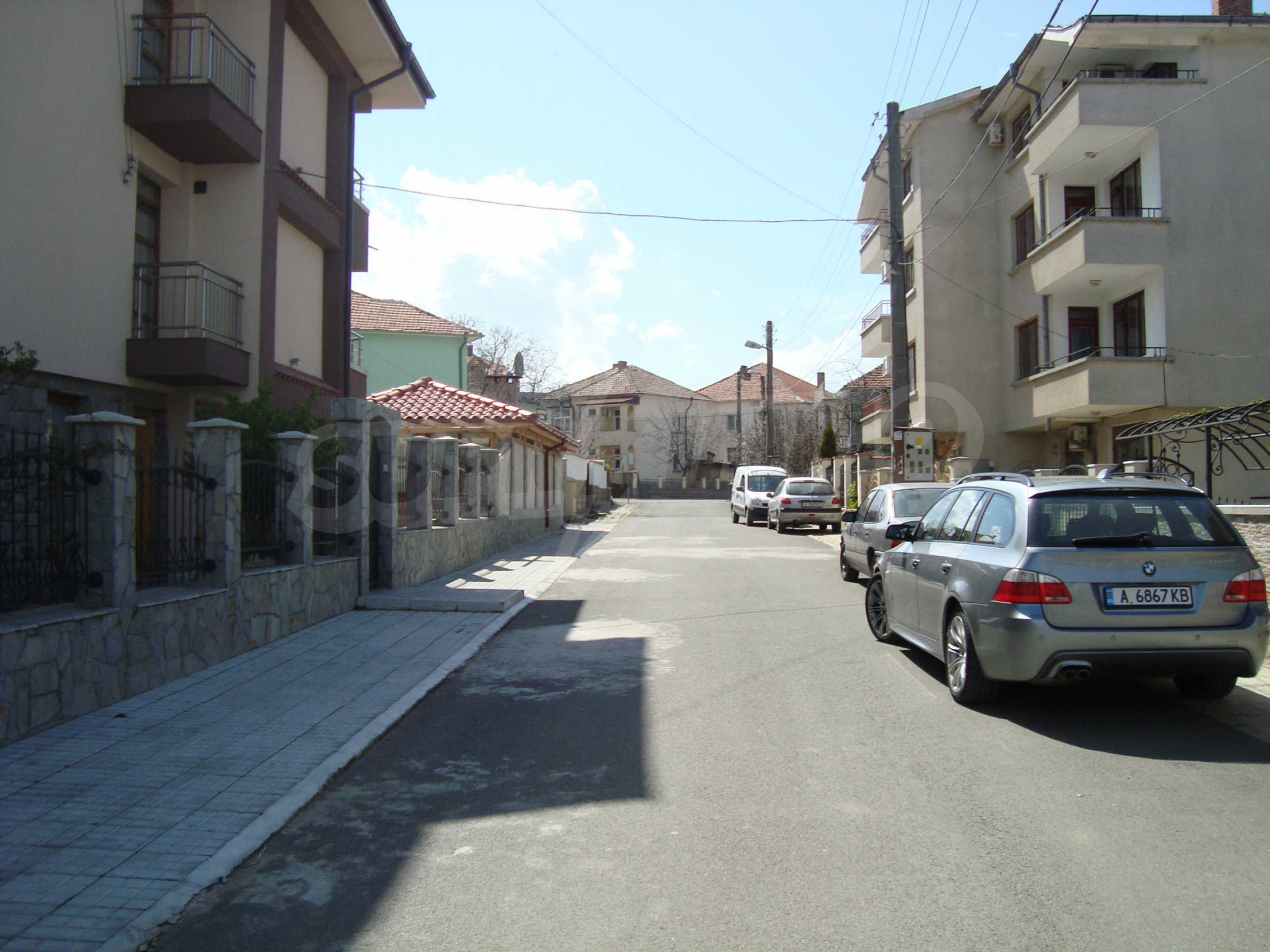 Two-bedroom apartment for sale in the center of Chernomorets 23