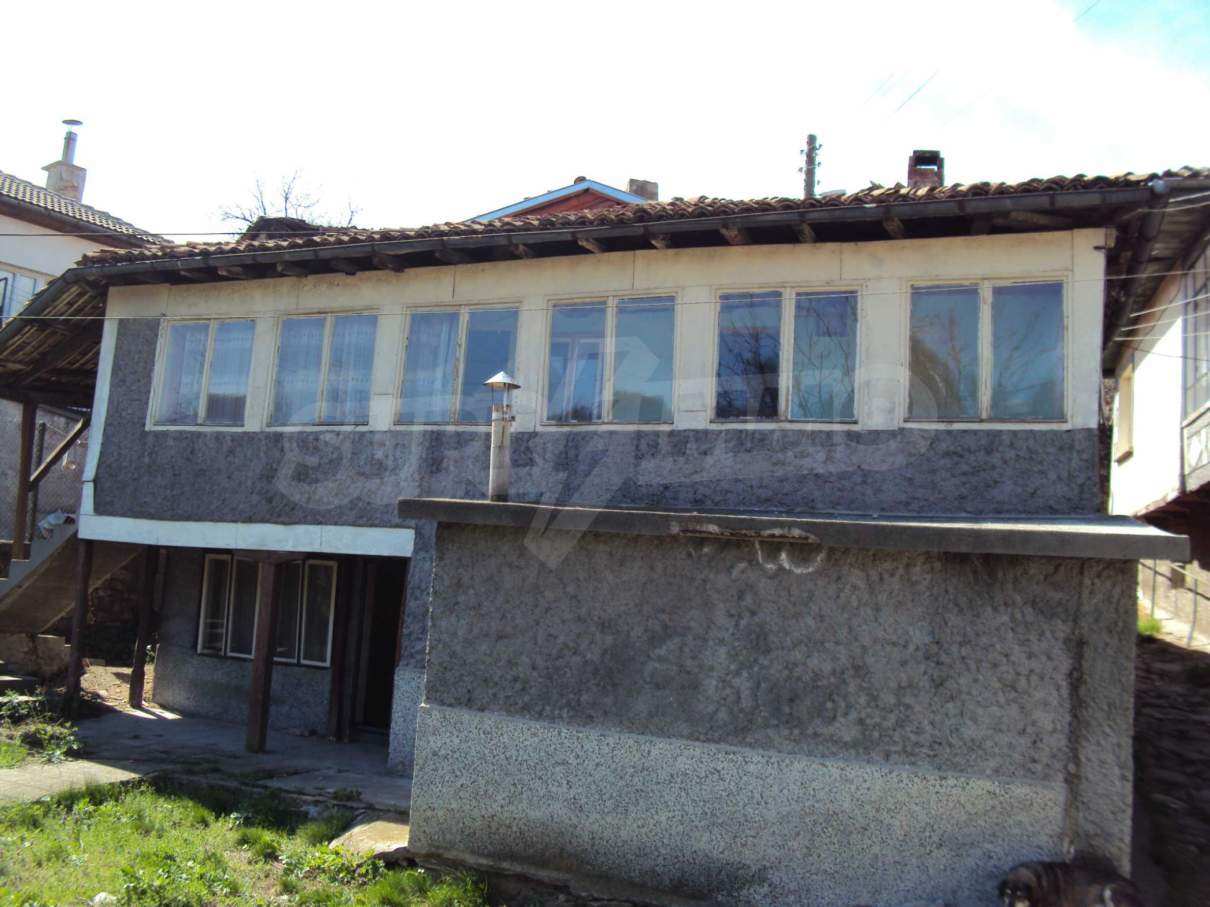 Spacious building with great location at the foot of Tsarevets 4