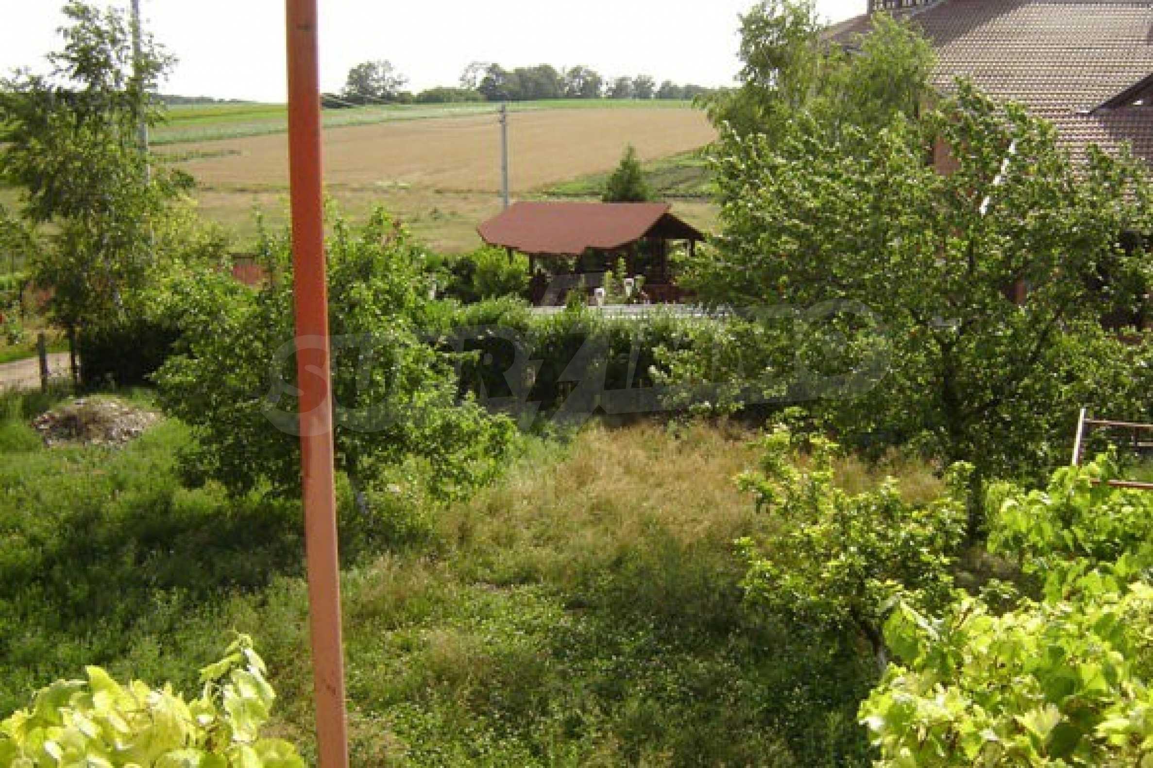 Dreistöckiges Haus 4 km von Dobritsch entfernt 10