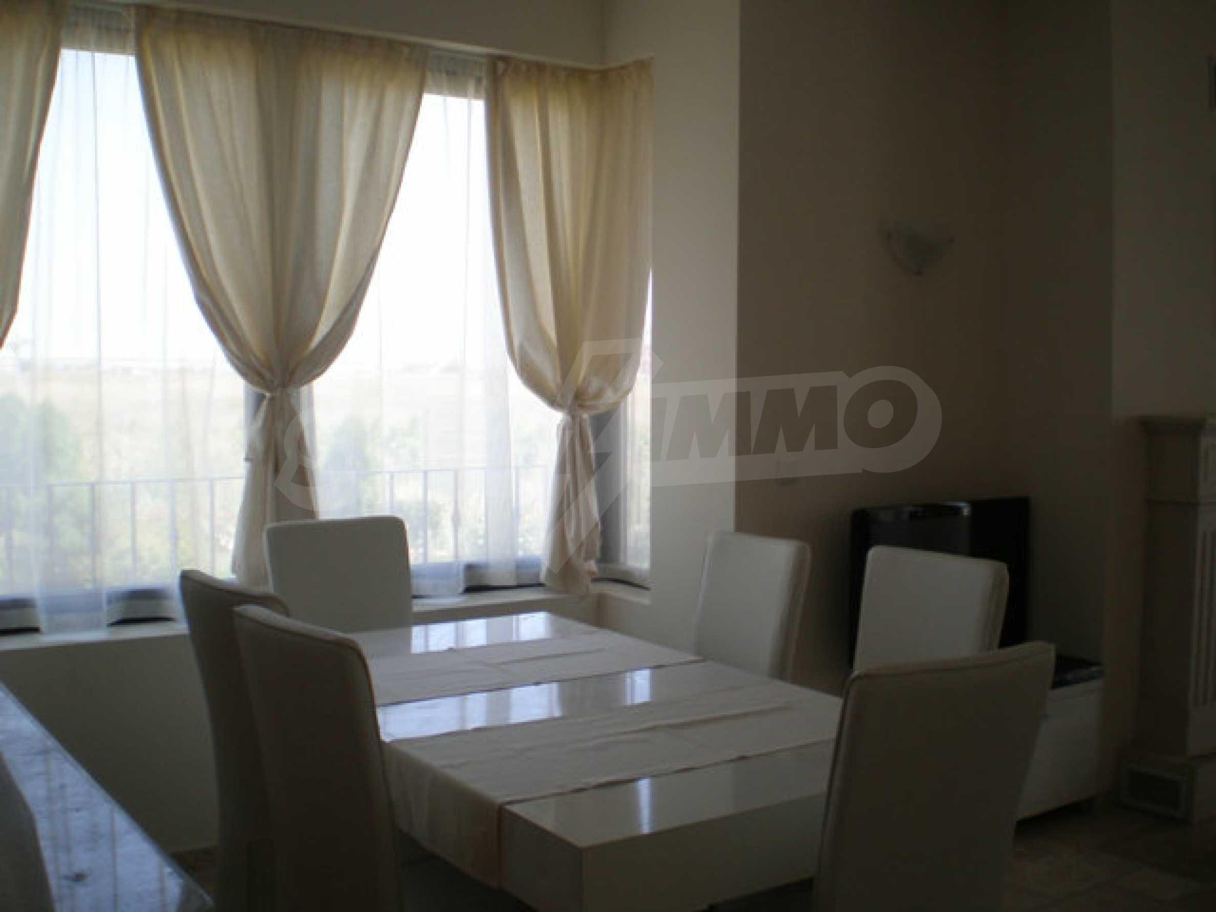 Large 2-bedroom apartment in Kaliakria complex 10