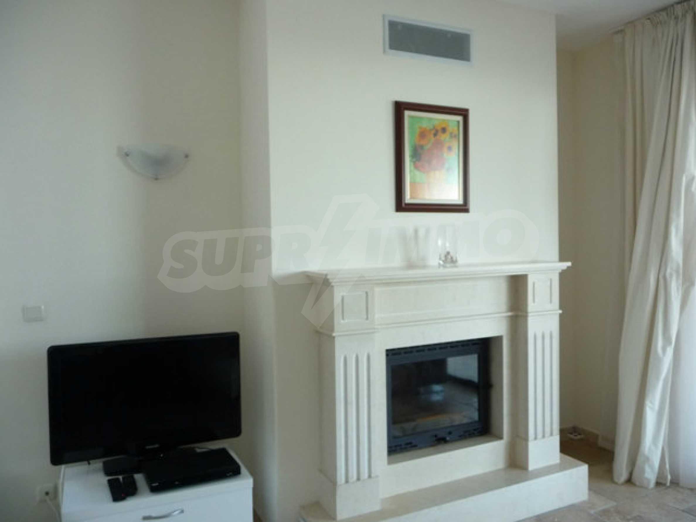 Large 2-bedroom apartment in Kaliakria complex 12