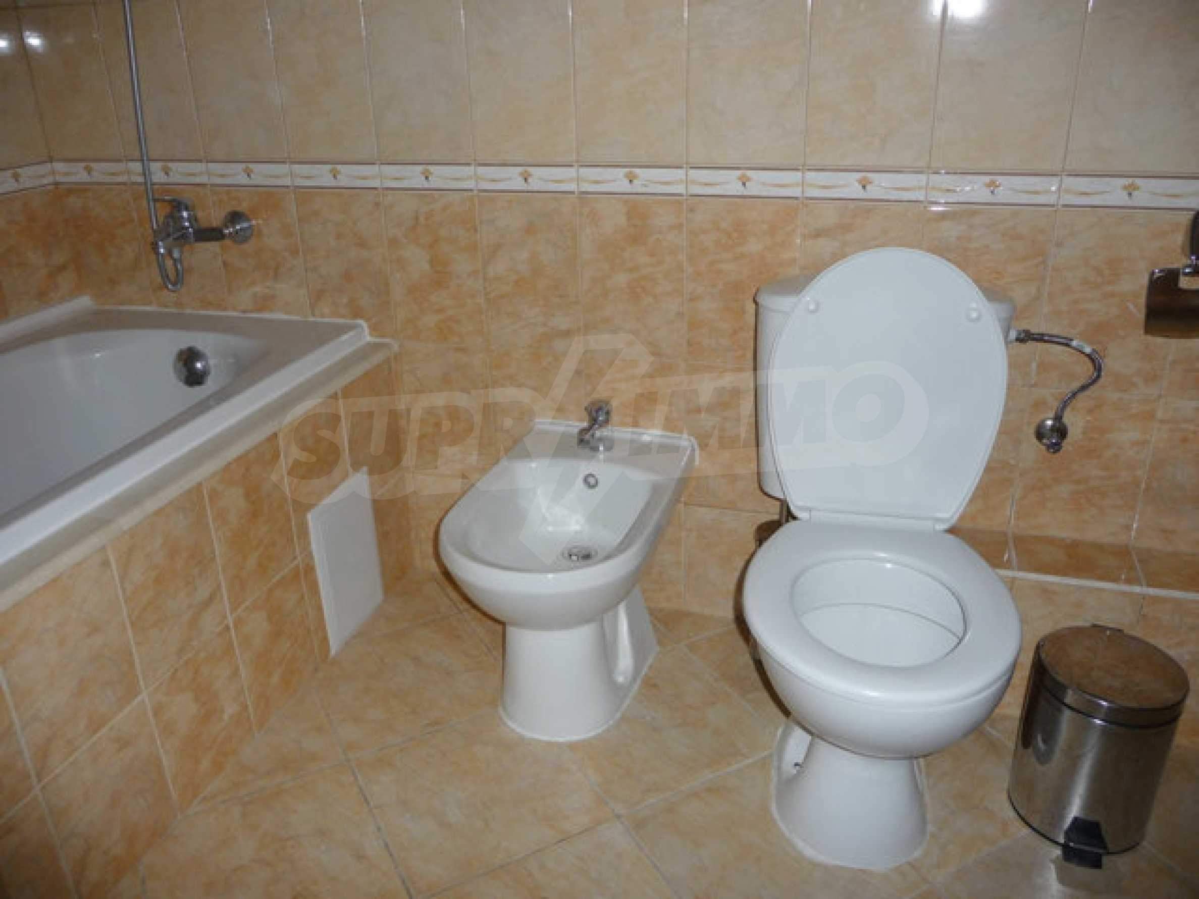 Large 2-bedroom apartment in Kaliakria complex 22