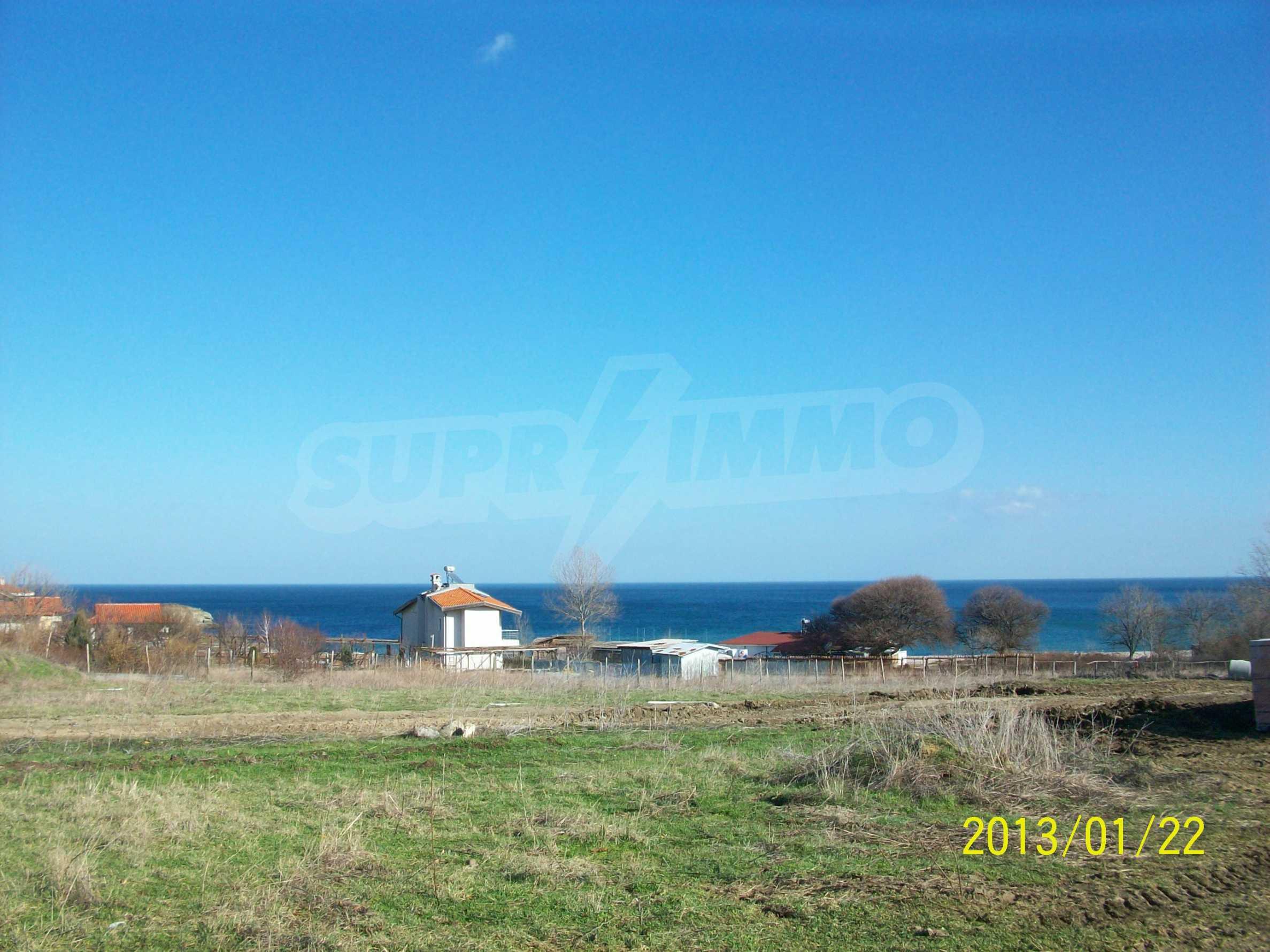 Land for sale in resort village of Lozenets 2