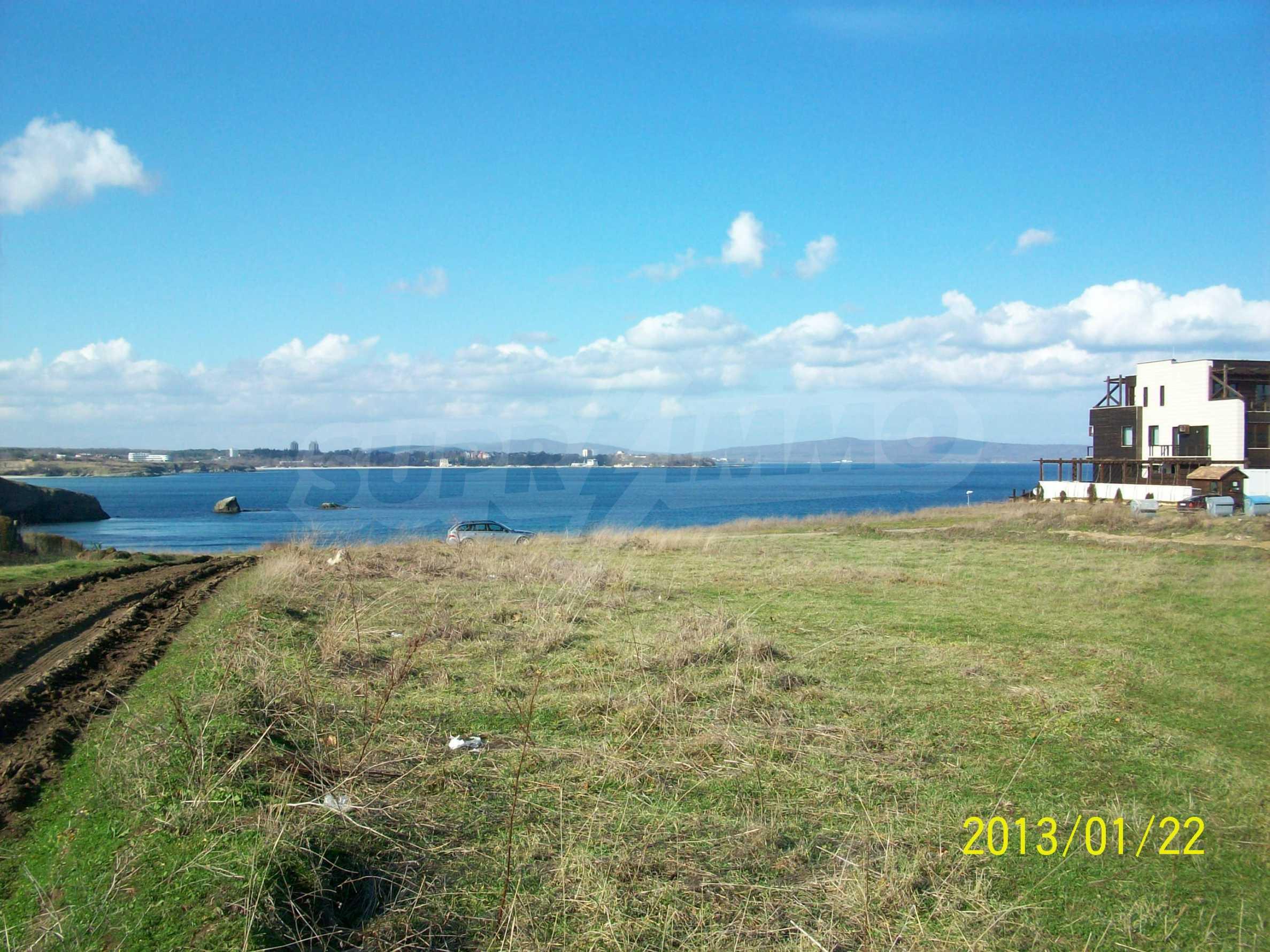 Land for sale in resort village of Lozenets 3