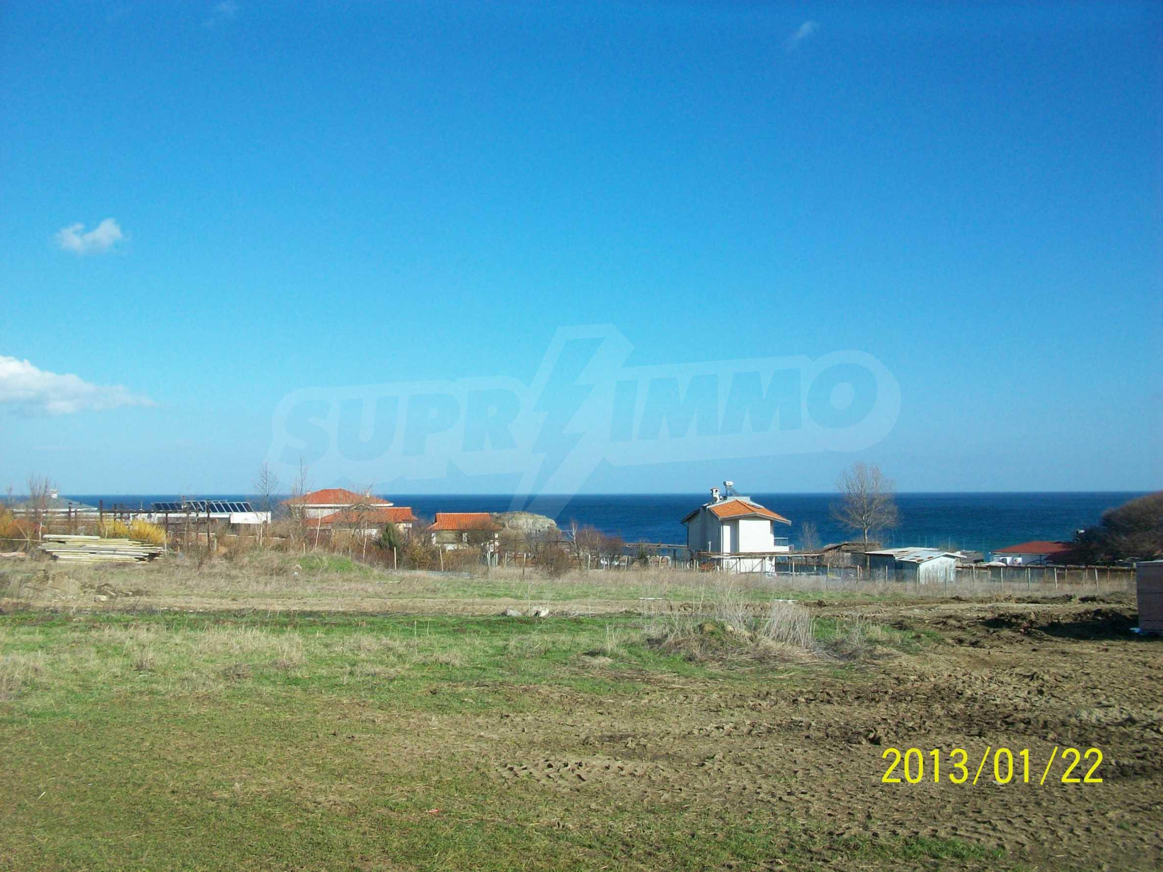Land for sale in resort village of Lozenets 4